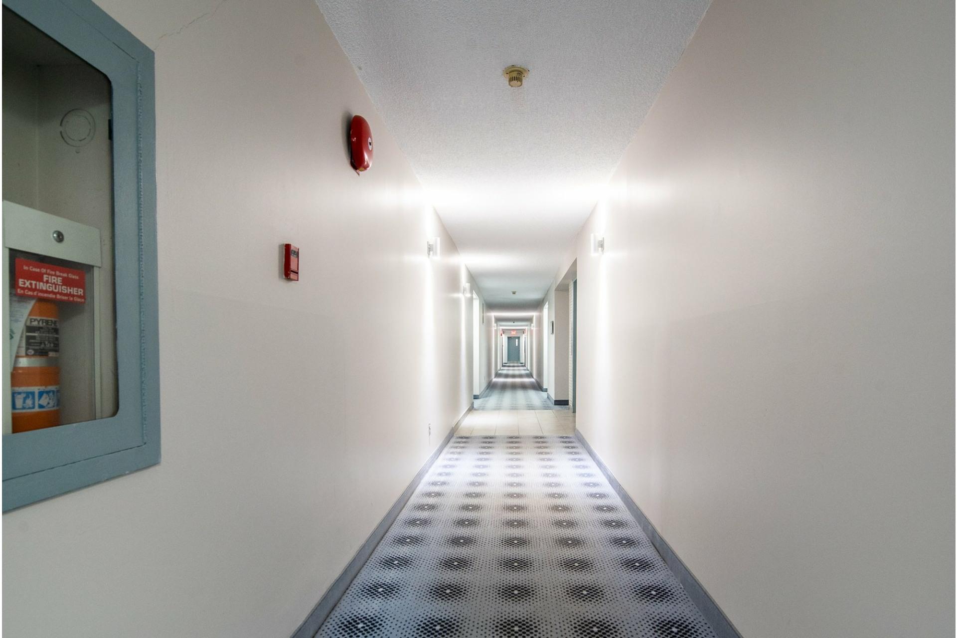 image 25 - Apartment For sale Montréal Saint-Laurent  - 5 rooms