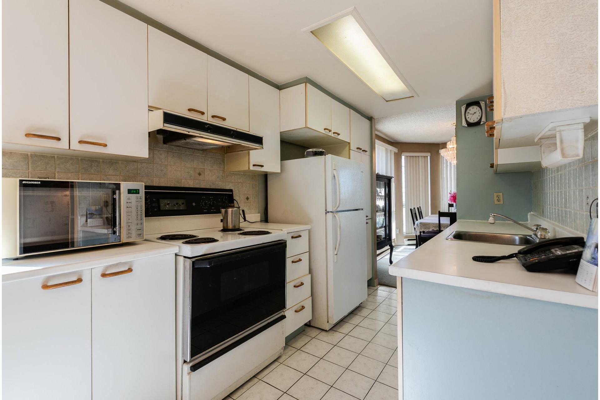 image 12 - Apartment For sale Montréal Saint-Laurent  - 5 rooms