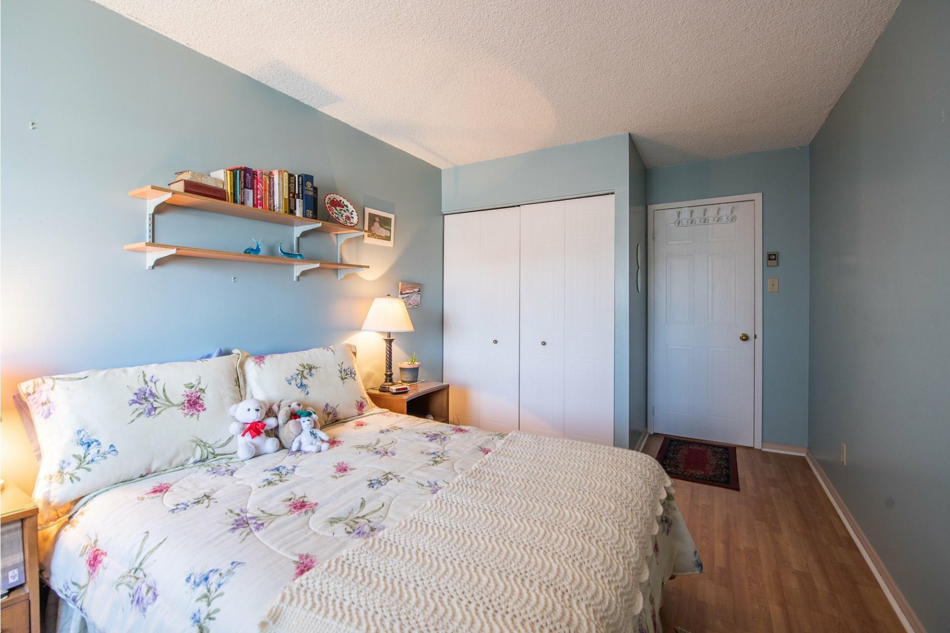 image 16 - Apartment For sale Montréal Saint-Laurent  - 5 rooms