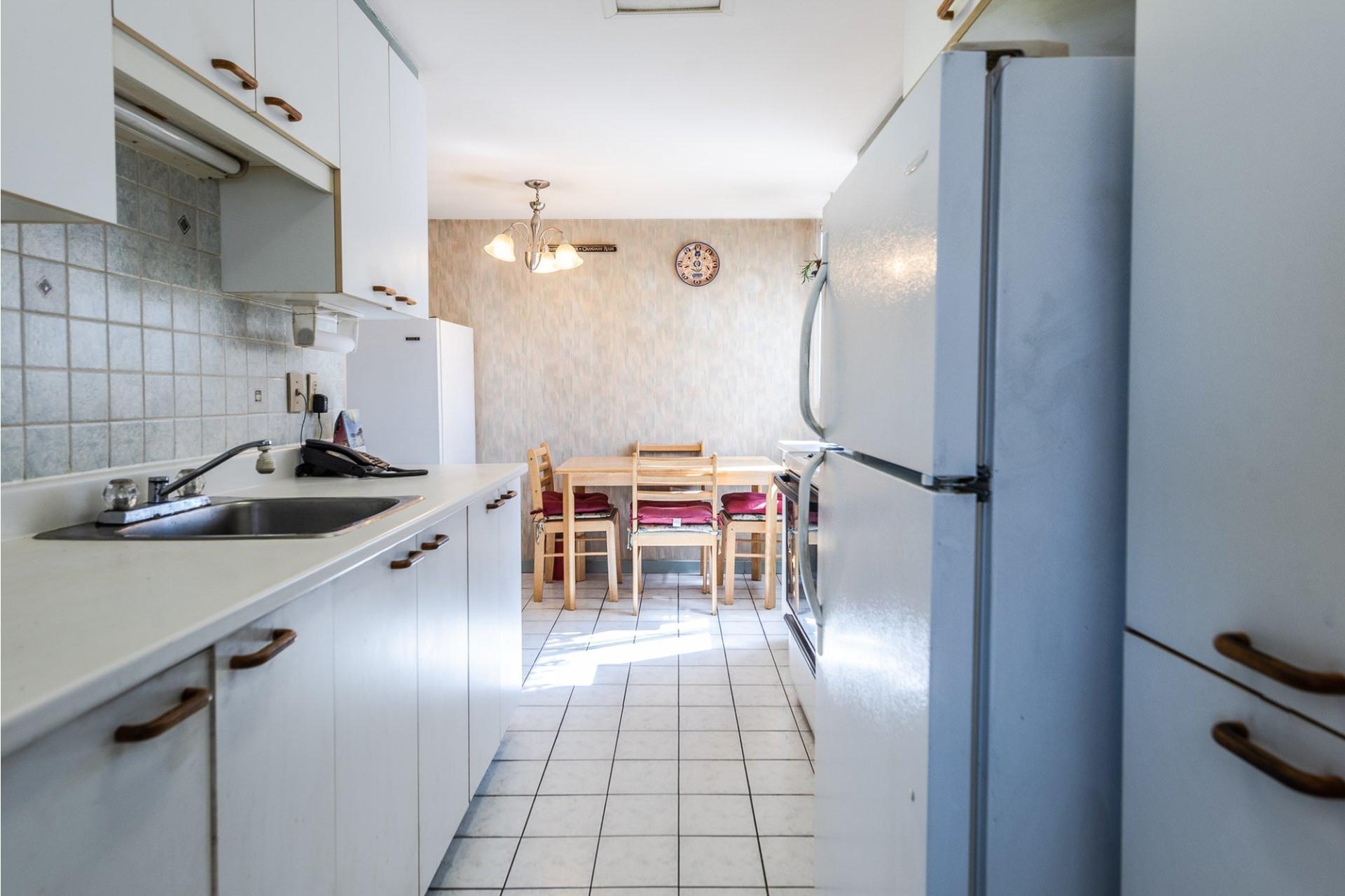 image 11 - Apartment For sale Montréal Saint-Laurent  - 5 rooms