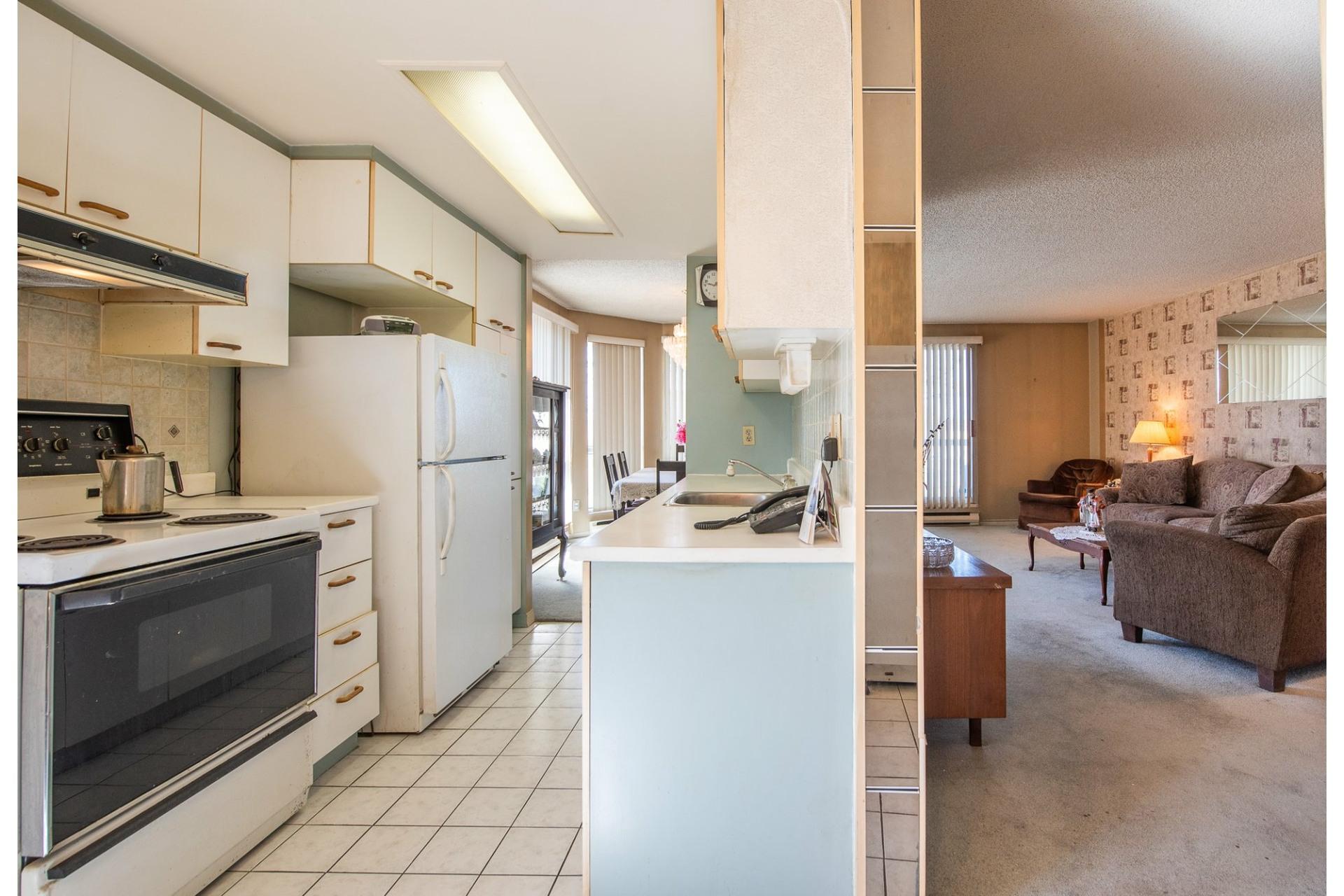 image 13 - Apartment For sale Montréal Saint-Laurent  - 5 rooms