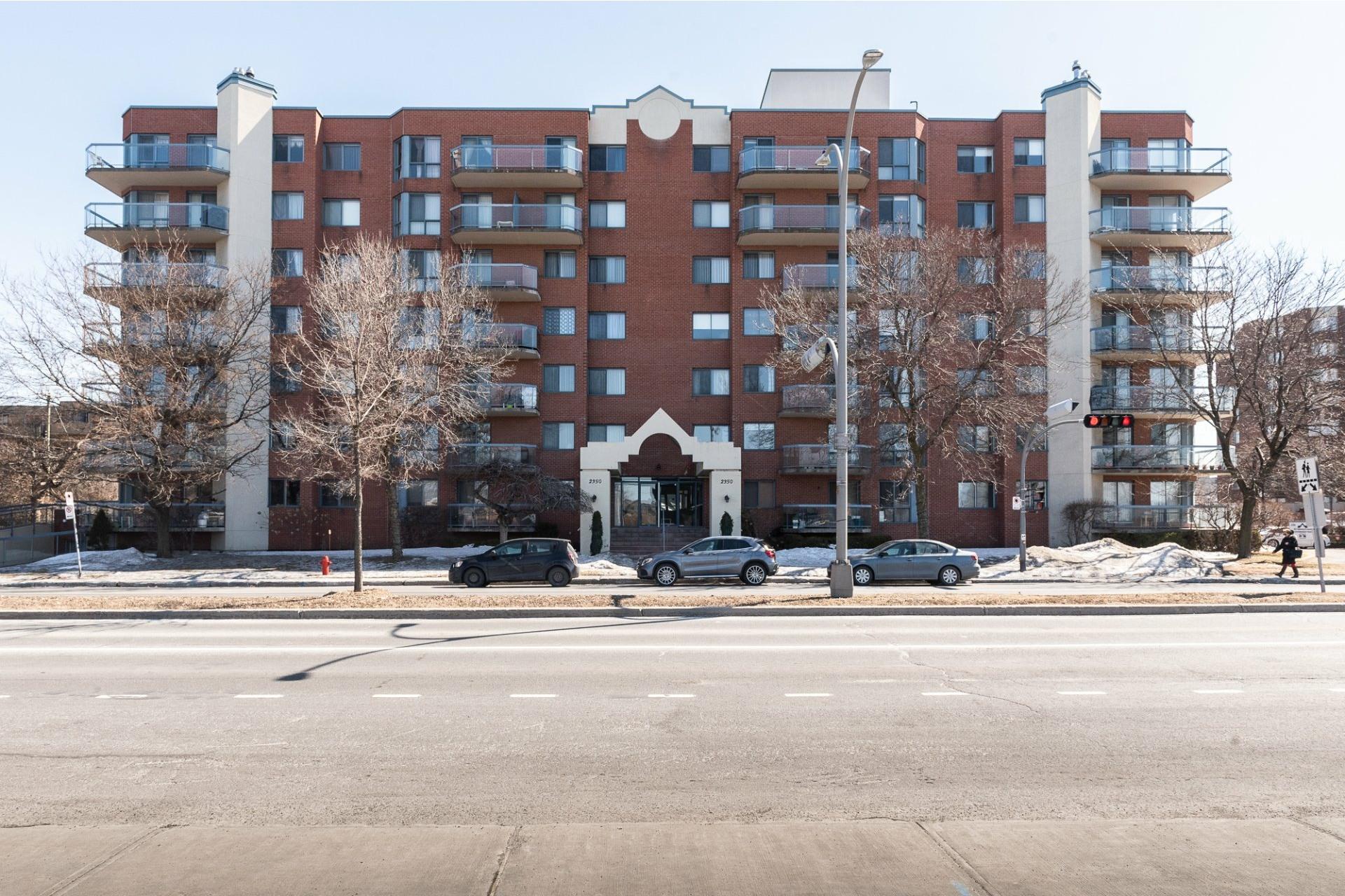 image 1 - Apartment For sale Montréal Saint-Laurent  - 5 rooms