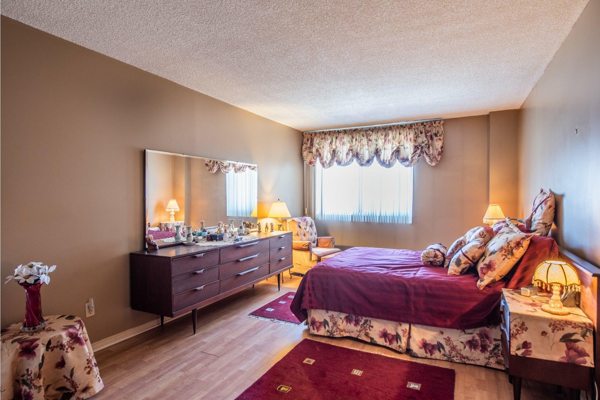 image 19 - Apartment For sale Montréal Saint-Laurent  - 5 rooms