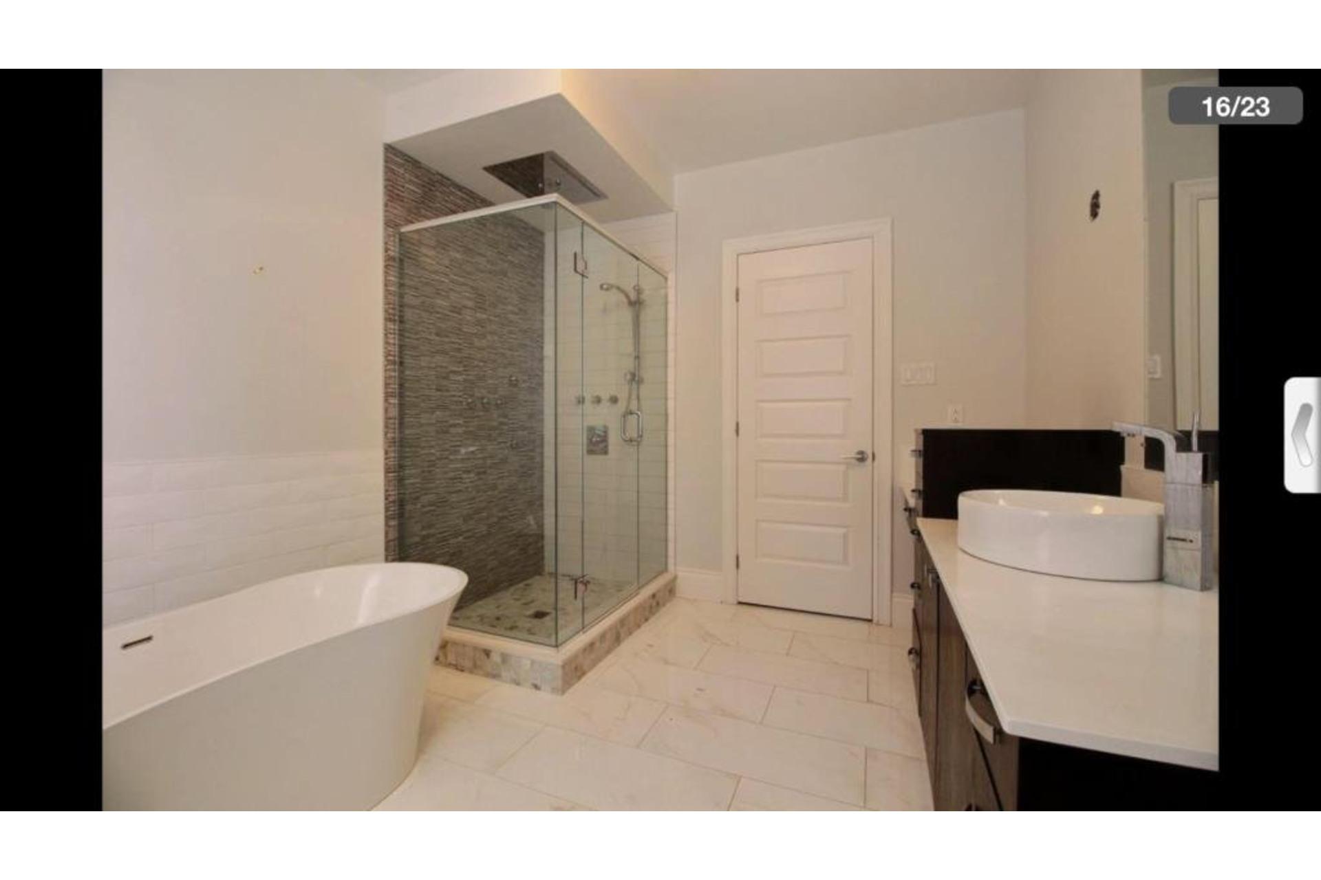 image 11 - Apartment For rent Montréal Saint-Laurent  - 10 rooms