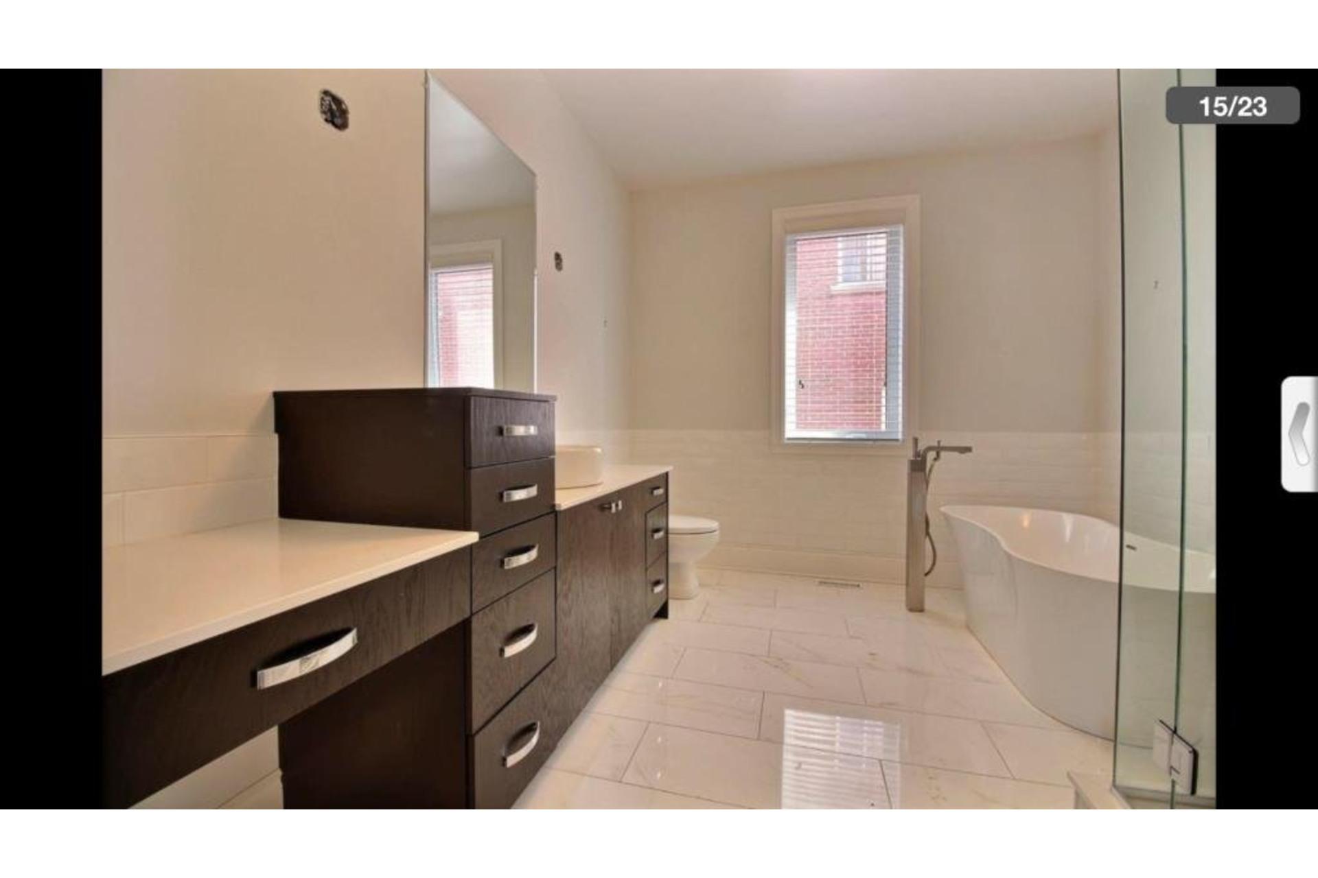 image 10 - Apartment For rent Montréal Saint-Laurent  - 10 rooms