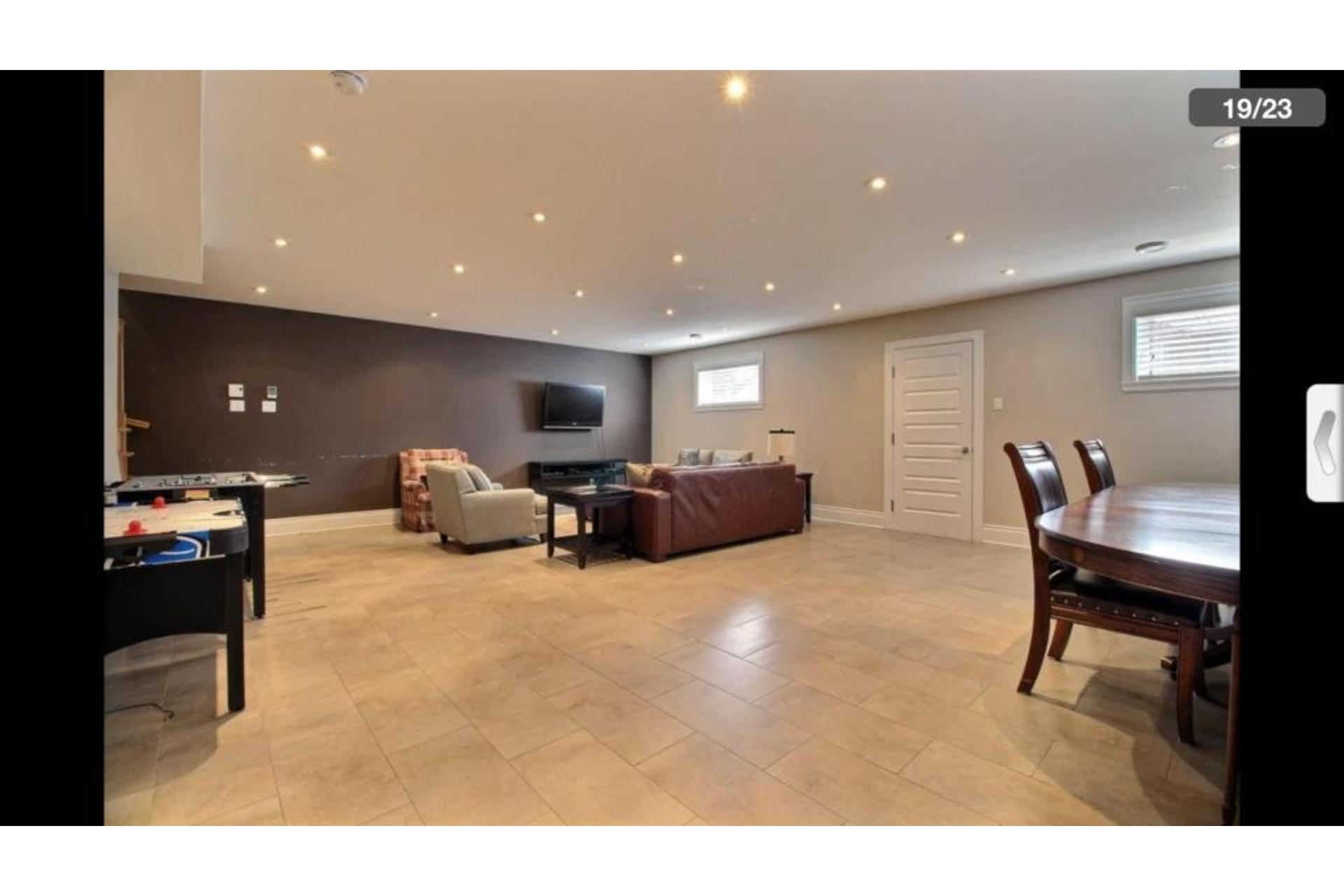image 14 - Apartment For rent Montréal Saint-Laurent  - 10 rooms