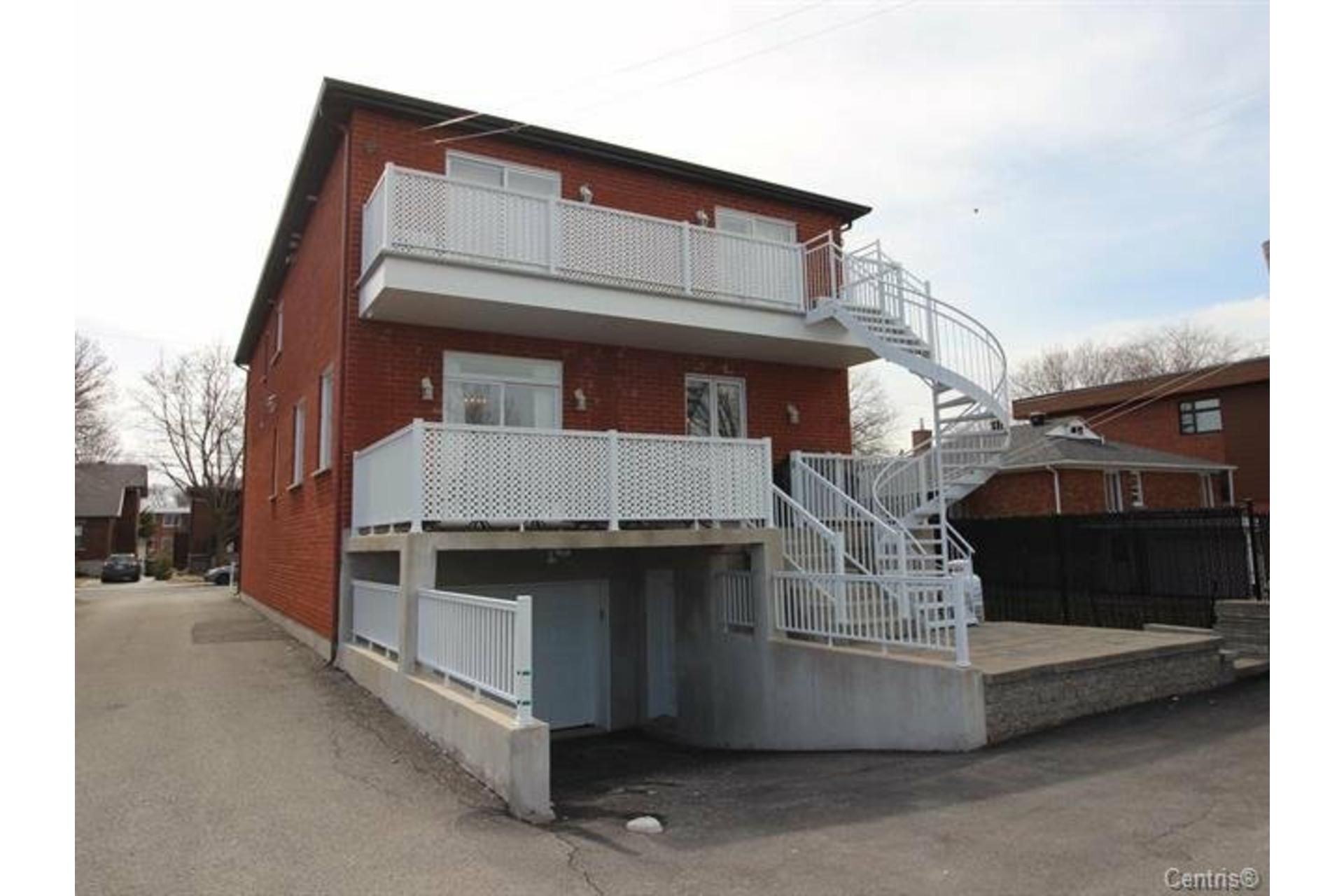 image 18 - Appartement À louer Montréal Saint-Laurent  - 10 pièces