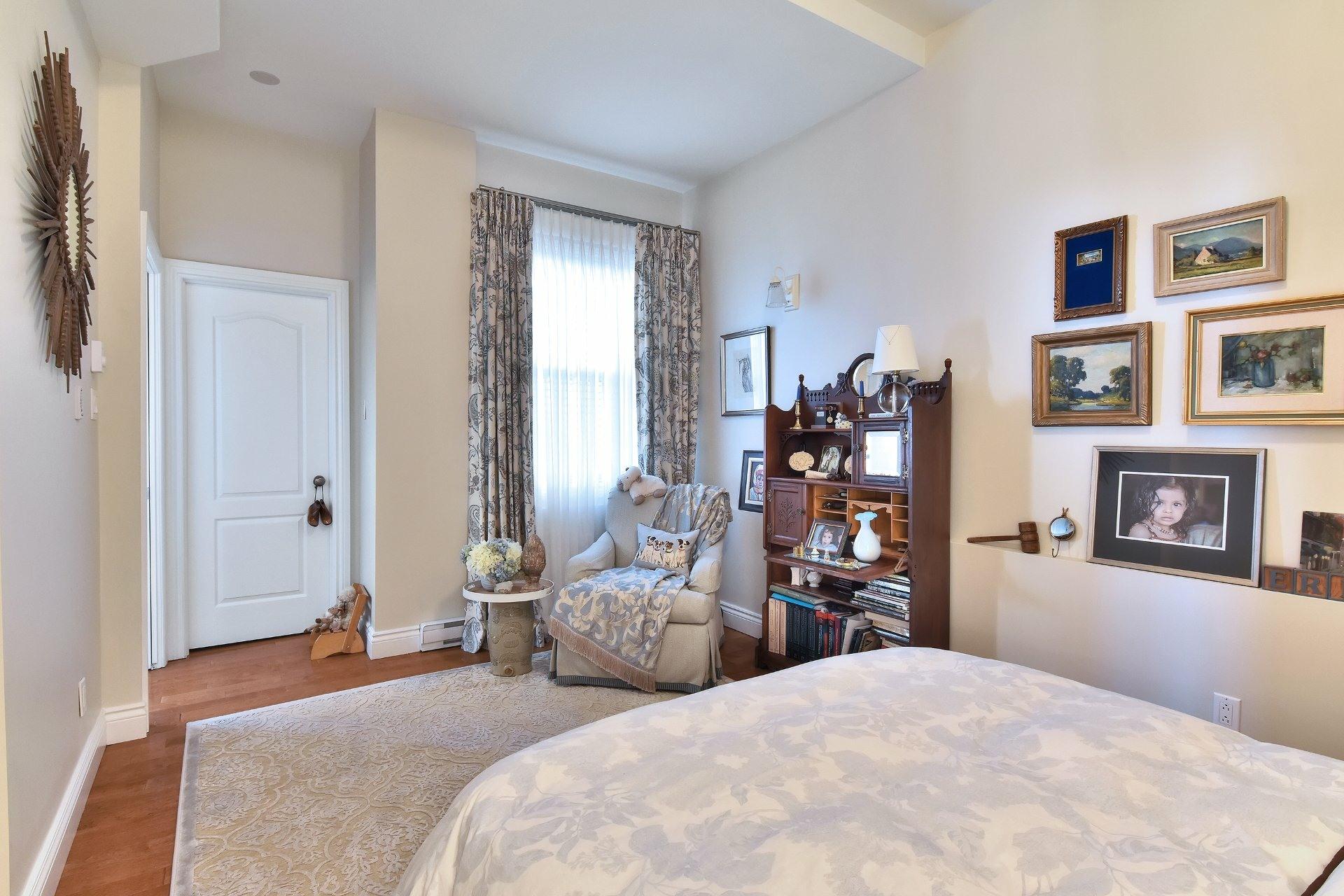 image 12 - Appartement À vendre Montréal Côte-des-Neiges/Notre-Dame-de-Grâce  - 5 pièces