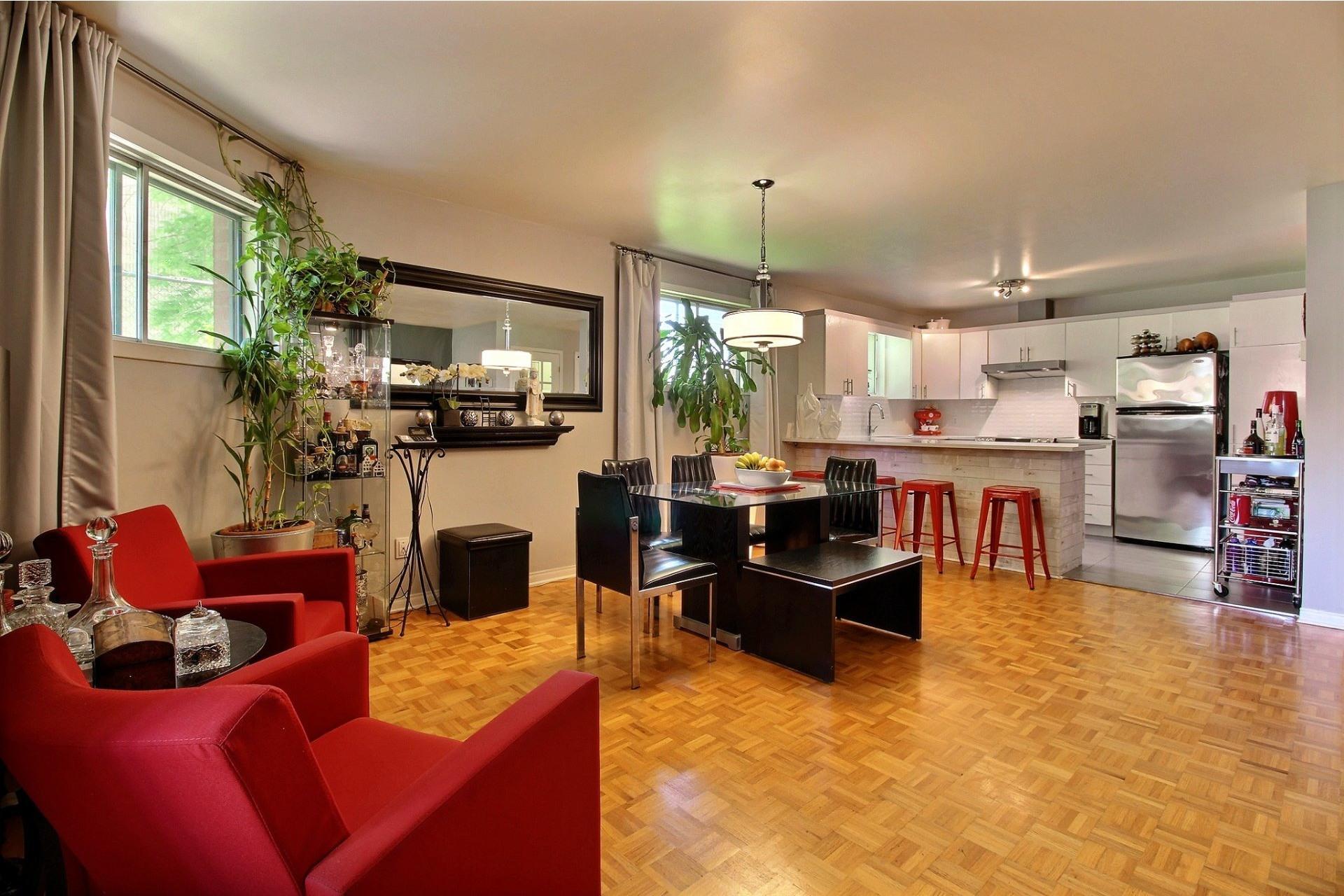 image 2 - Appartement À vendre Montréal Rivière-des-Prairies/Pointe-aux-Trembles  - 5 pièces