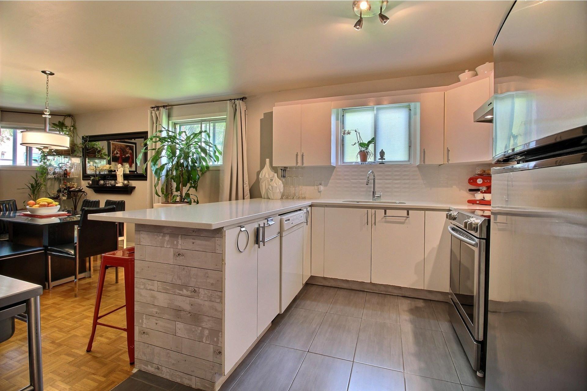 image 8 - Appartement À vendre Montréal Rivière-des-Prairies/Pointe-aux-Trembles  - 5 pièces