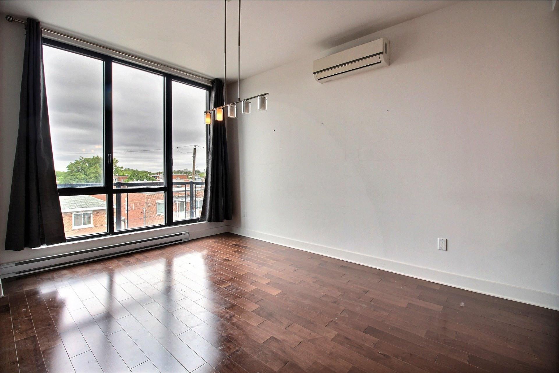 image 4 - Appartement À louer Montréal Villeray/Saint-Michel/Parc-Extension  - 6 pièces