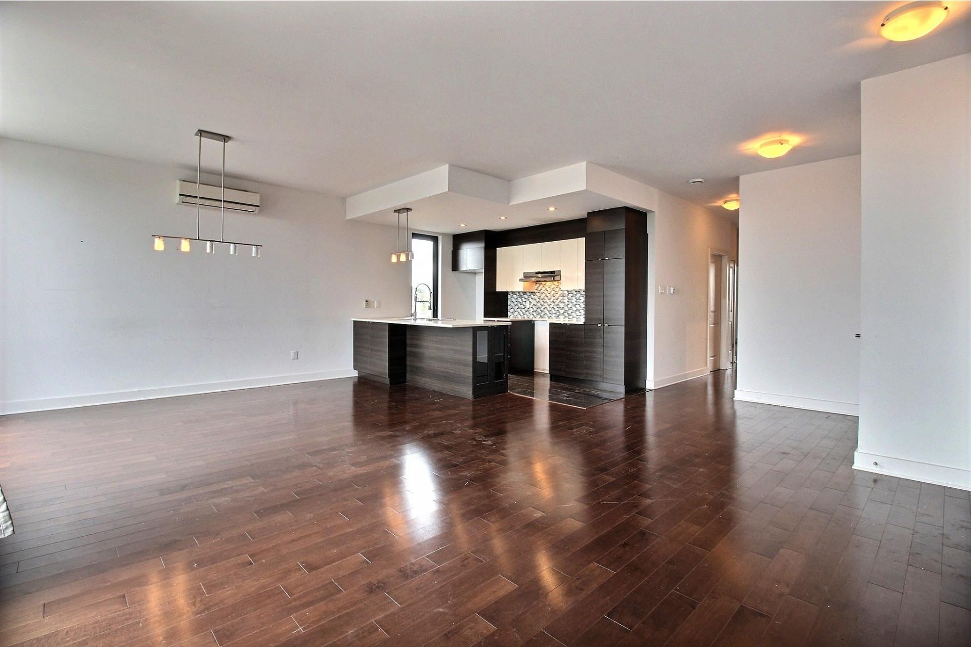 image 6 - Appartement À louer Montréal Villeray/Saint-Michel/Parc-Extension  - 6 pièces