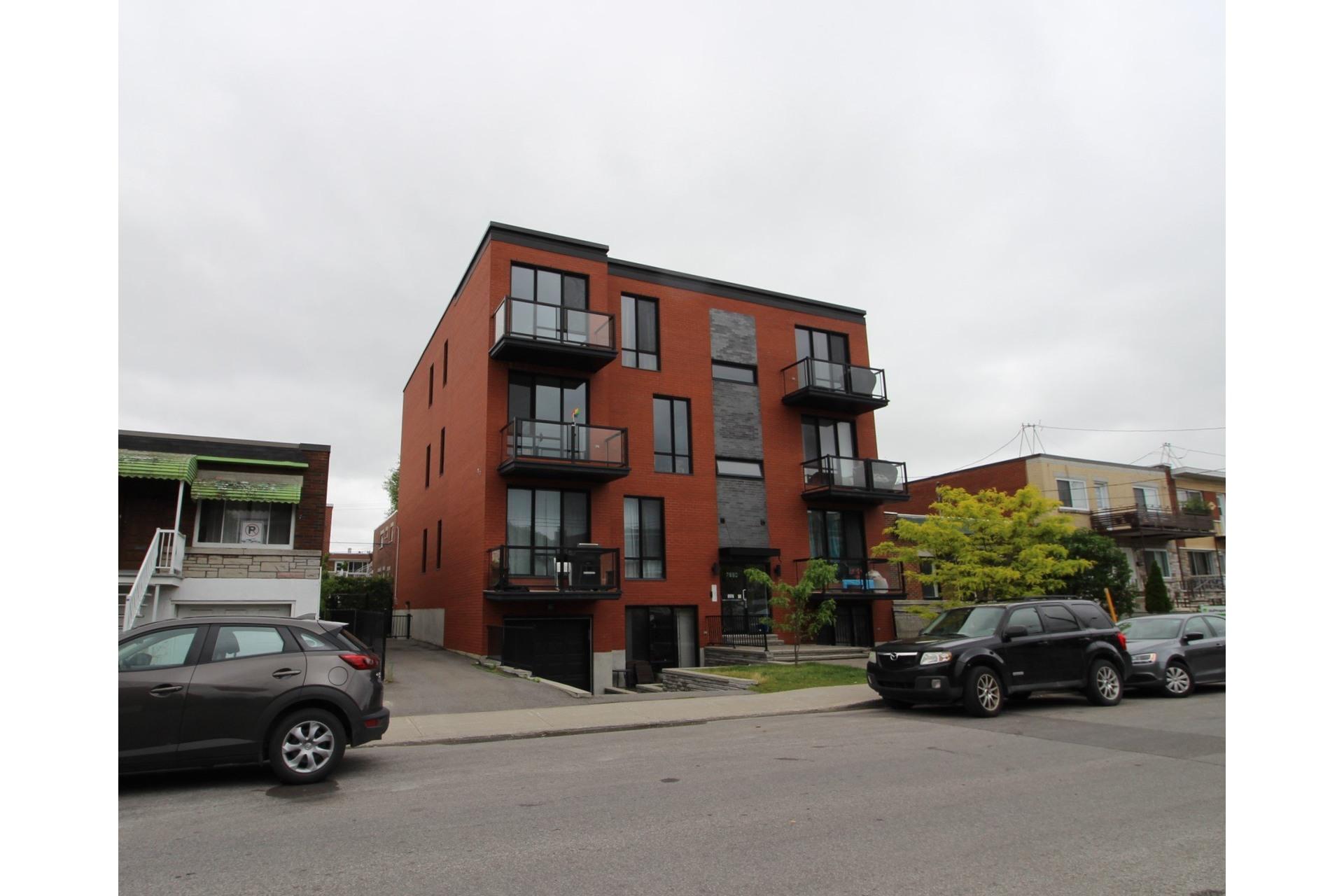 image 25 - Appartement À louer Montréal Villeray/Saint-Michel/Parc-Extension  - 6 pièces