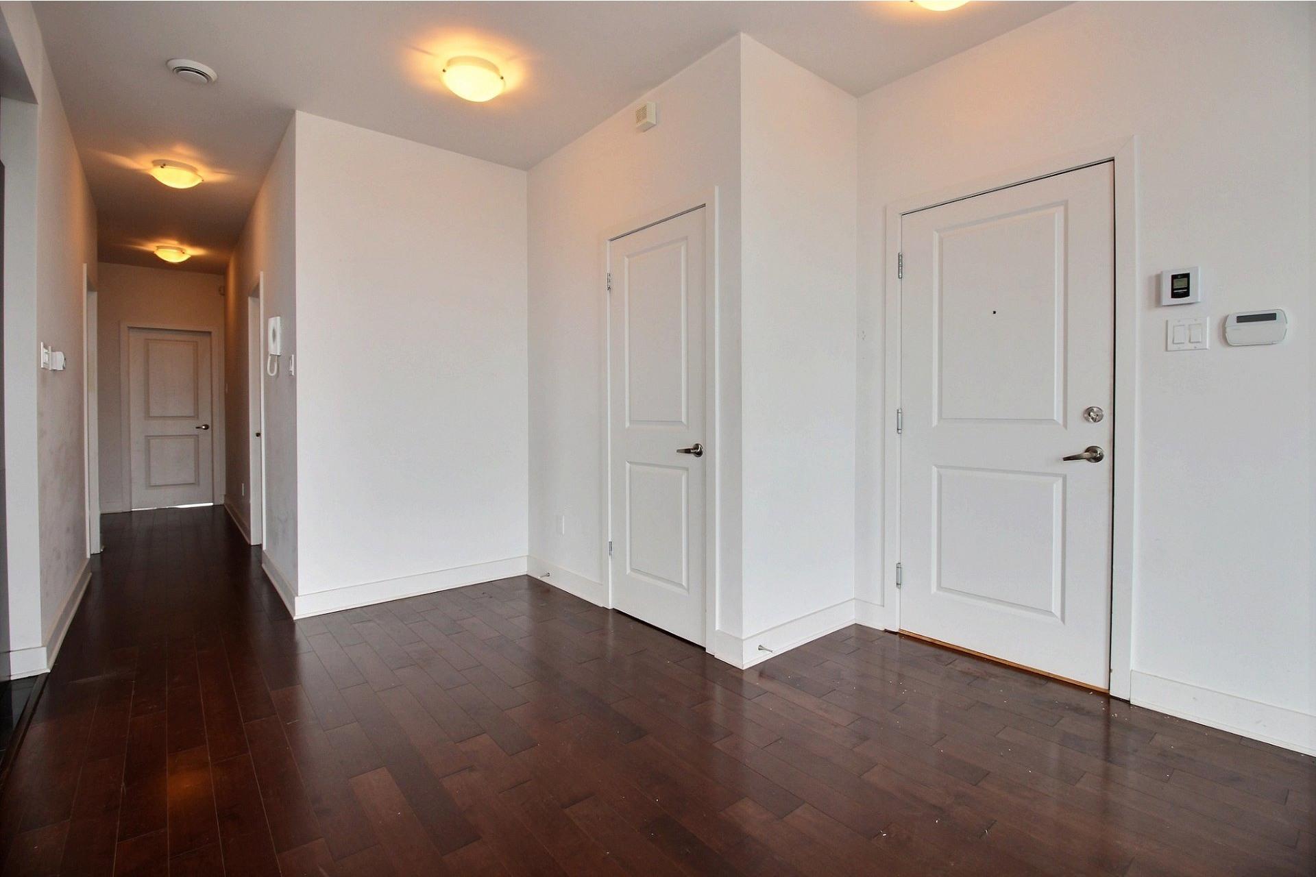 image 8 - Appartement À louer Montréal Villeray/Saint-Michel/Parc-Extension  - 6 pièces