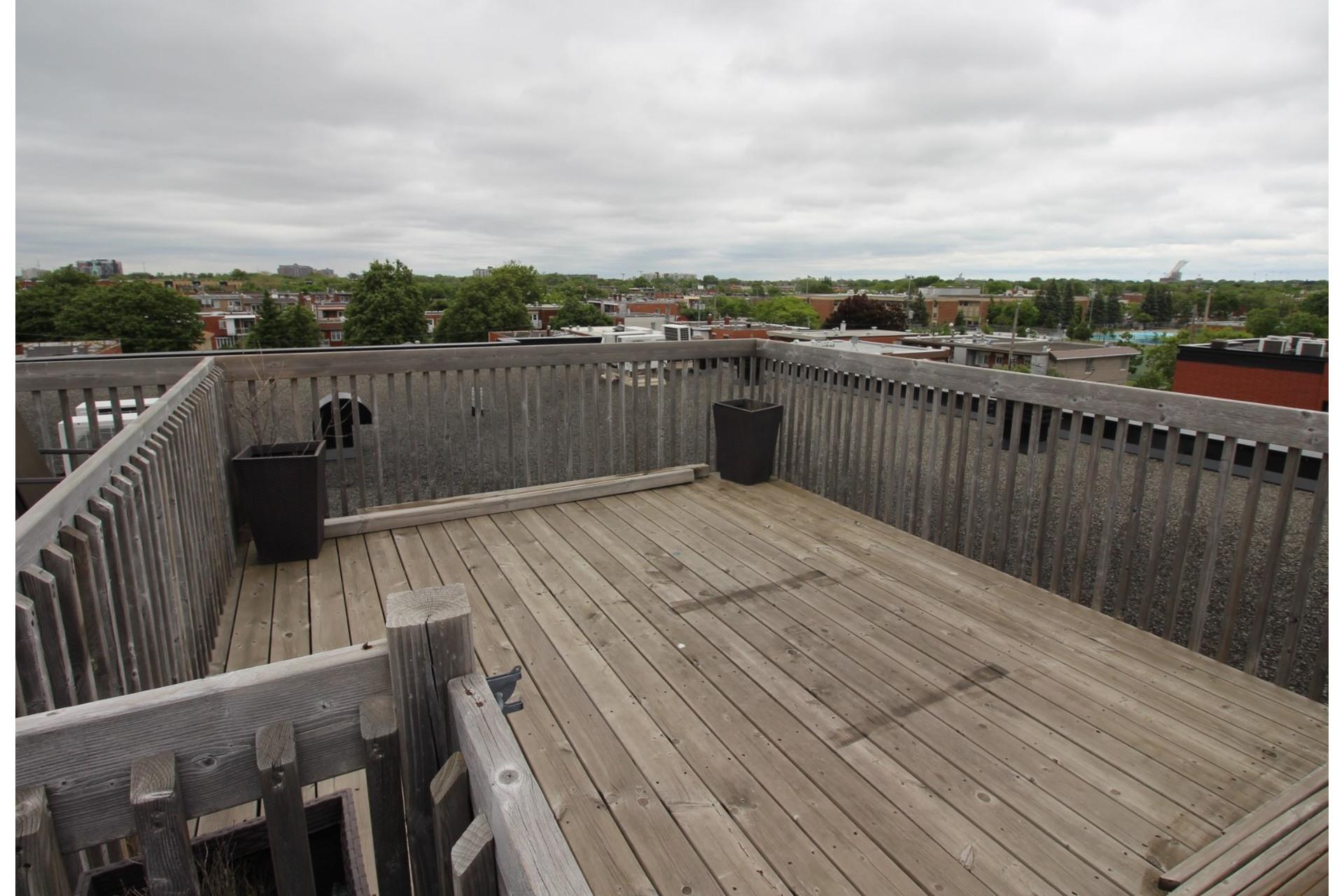 image 15 - Appartement À louer Montréal Villeray/Saint-Michel/Parc-Extension  - 6 pièces