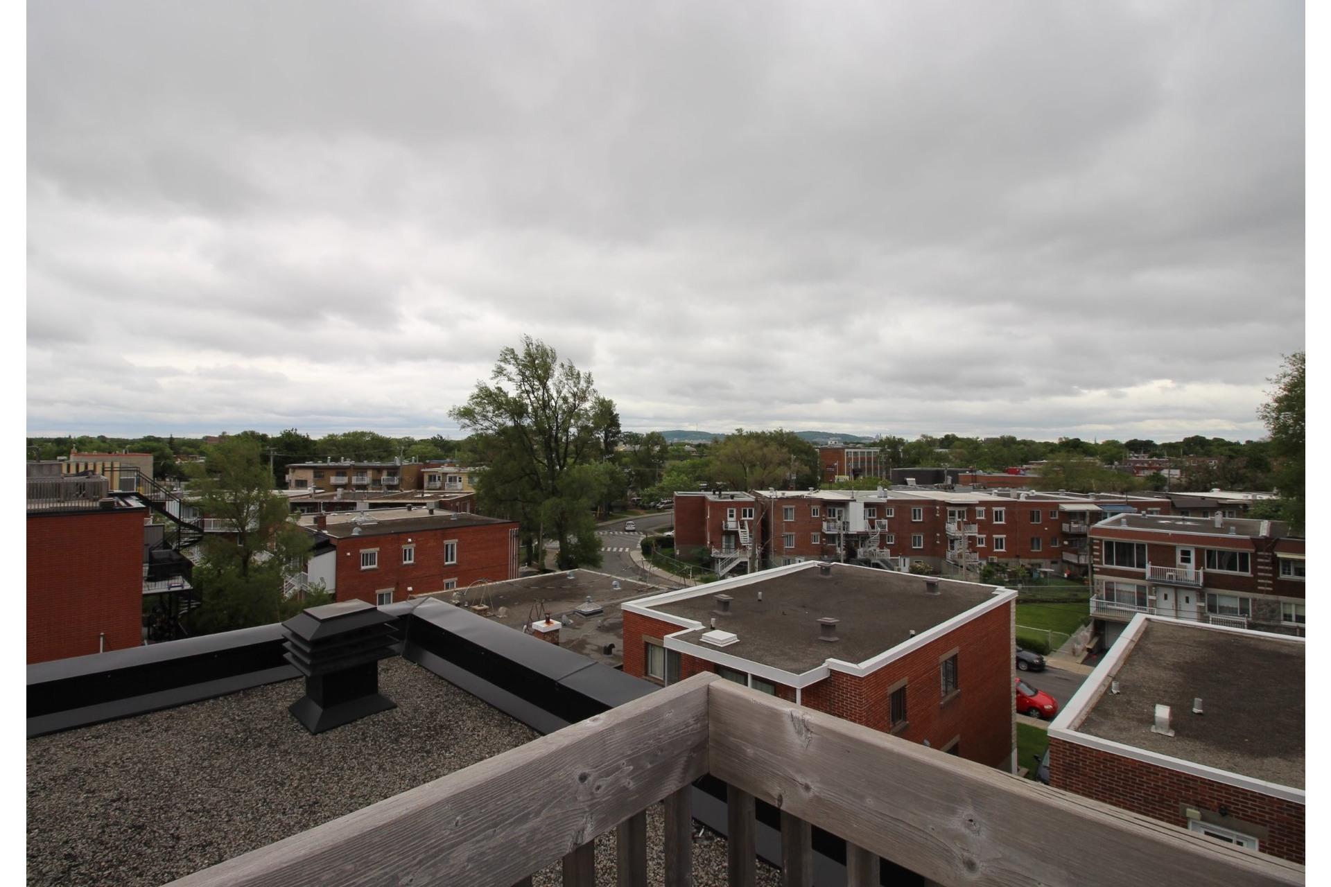 image 16 - Appartement À louer Montréal Villeray/Saint-Michel/Parc-Extension  - 6 pièces
