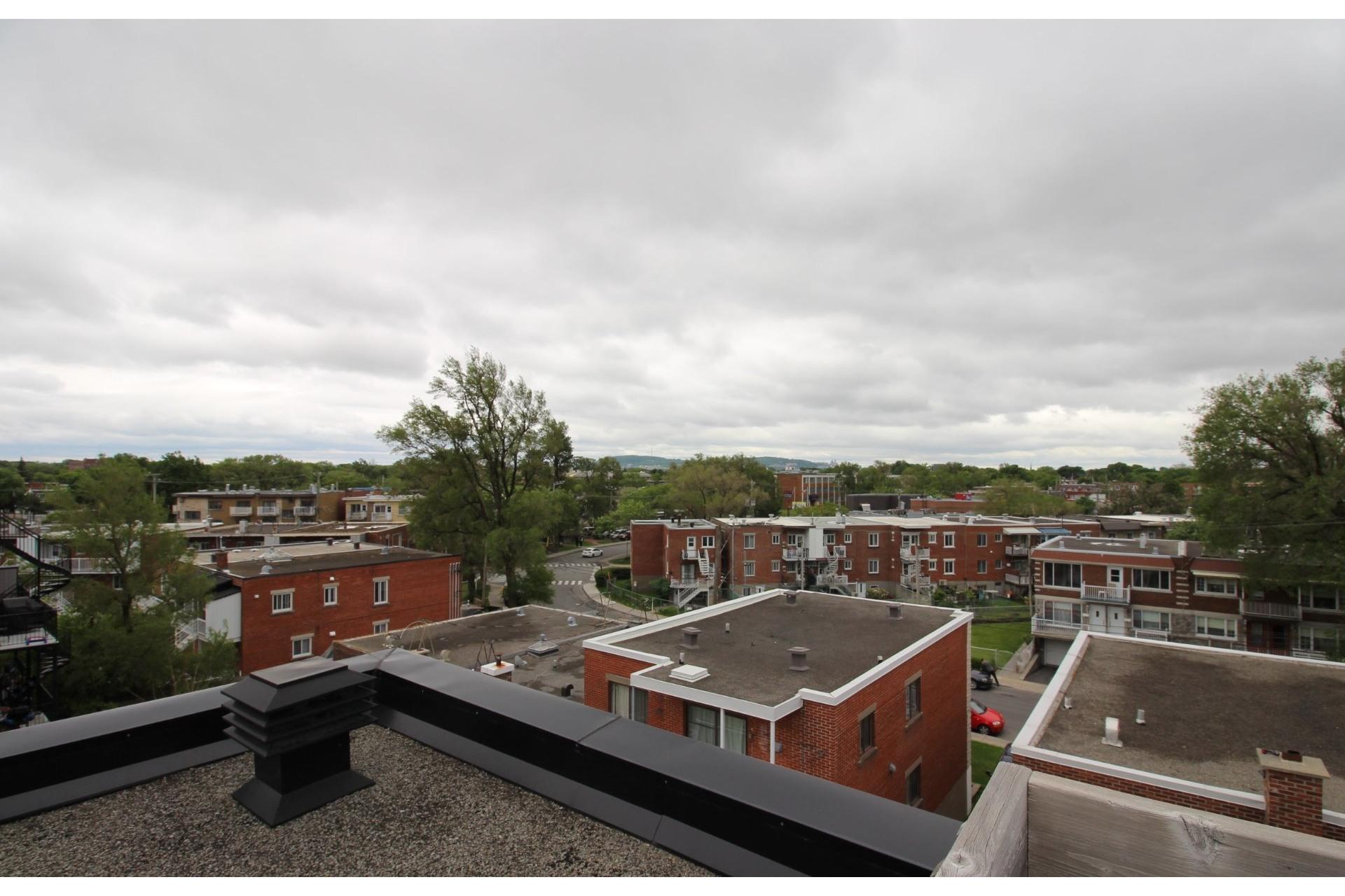 image 18 - Appartement À louer Montréal Villeray/Saint-Michel/Parc-Extension  - 6 pièces