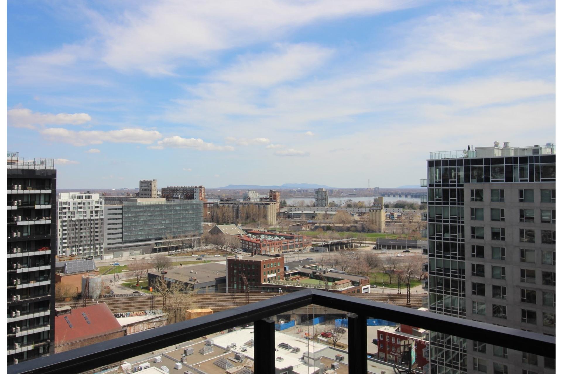 image 1 - Appartement À louer Montréal Le Sud-Ouest  - 6 pièces