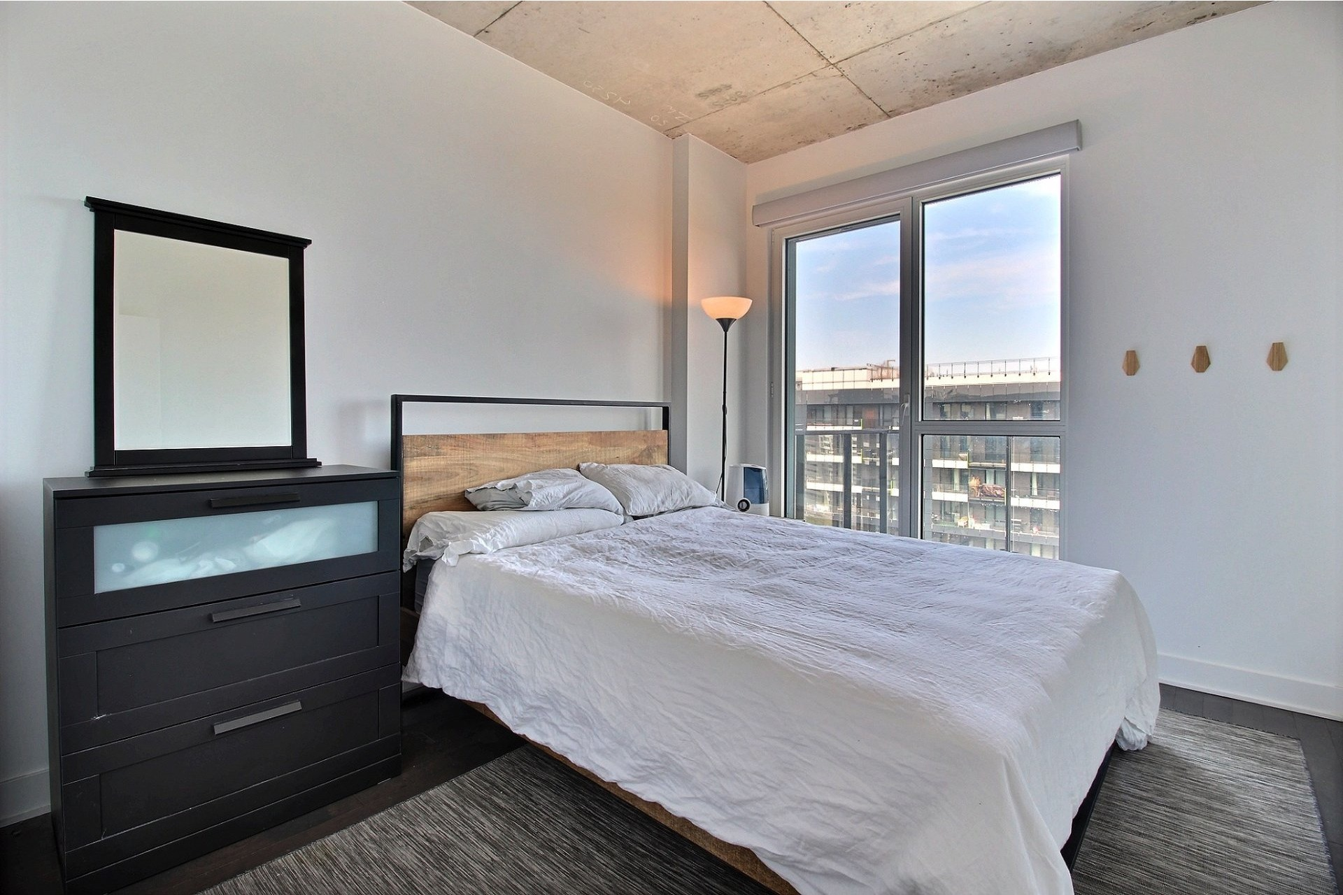 image 7 - Appartement À louer Montréal Le Sud-Ouest  - 6 pièces