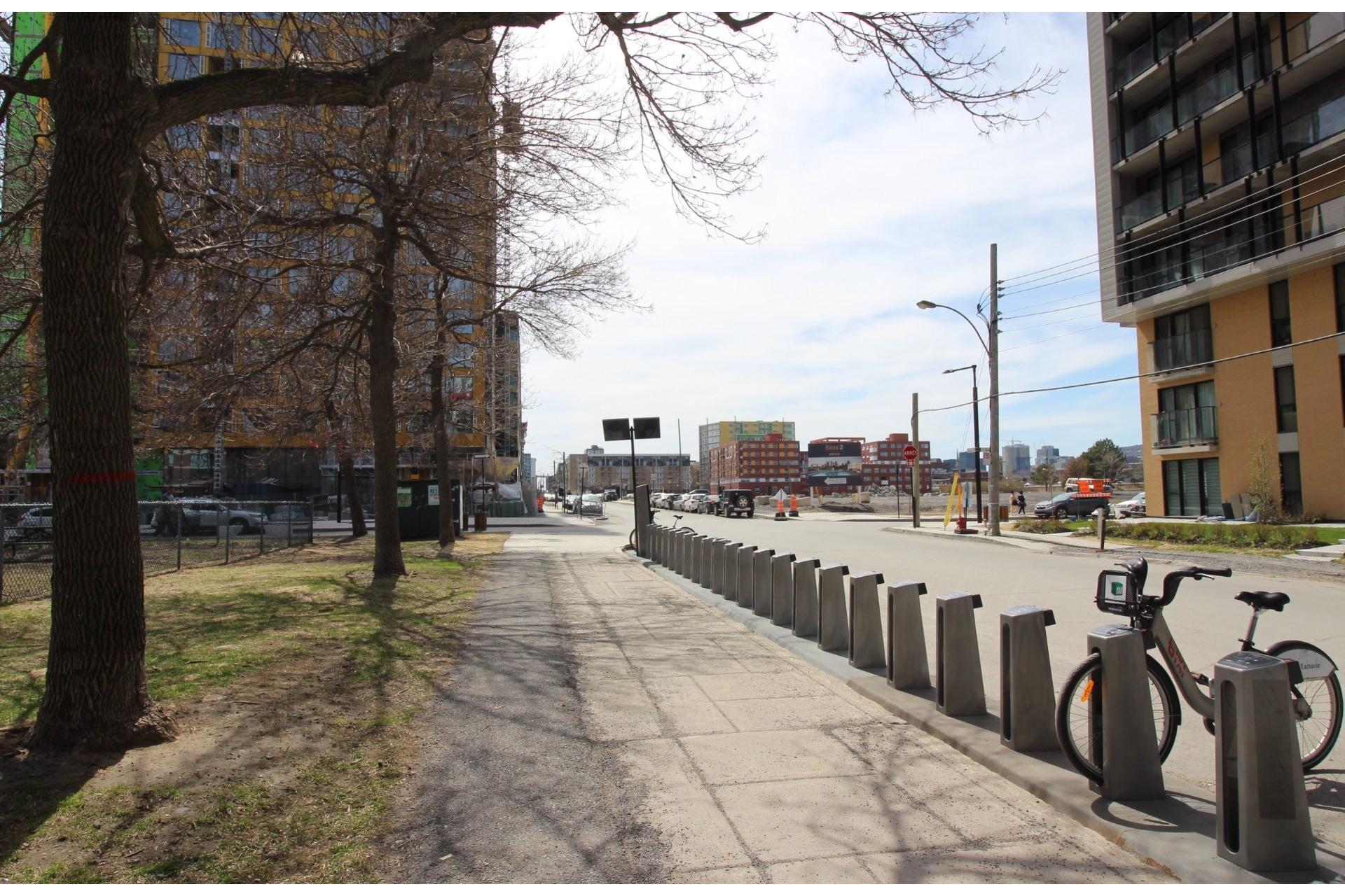 image 17 - Apartment For rent Montréal Le Sud-Ouest  - 4 rooms