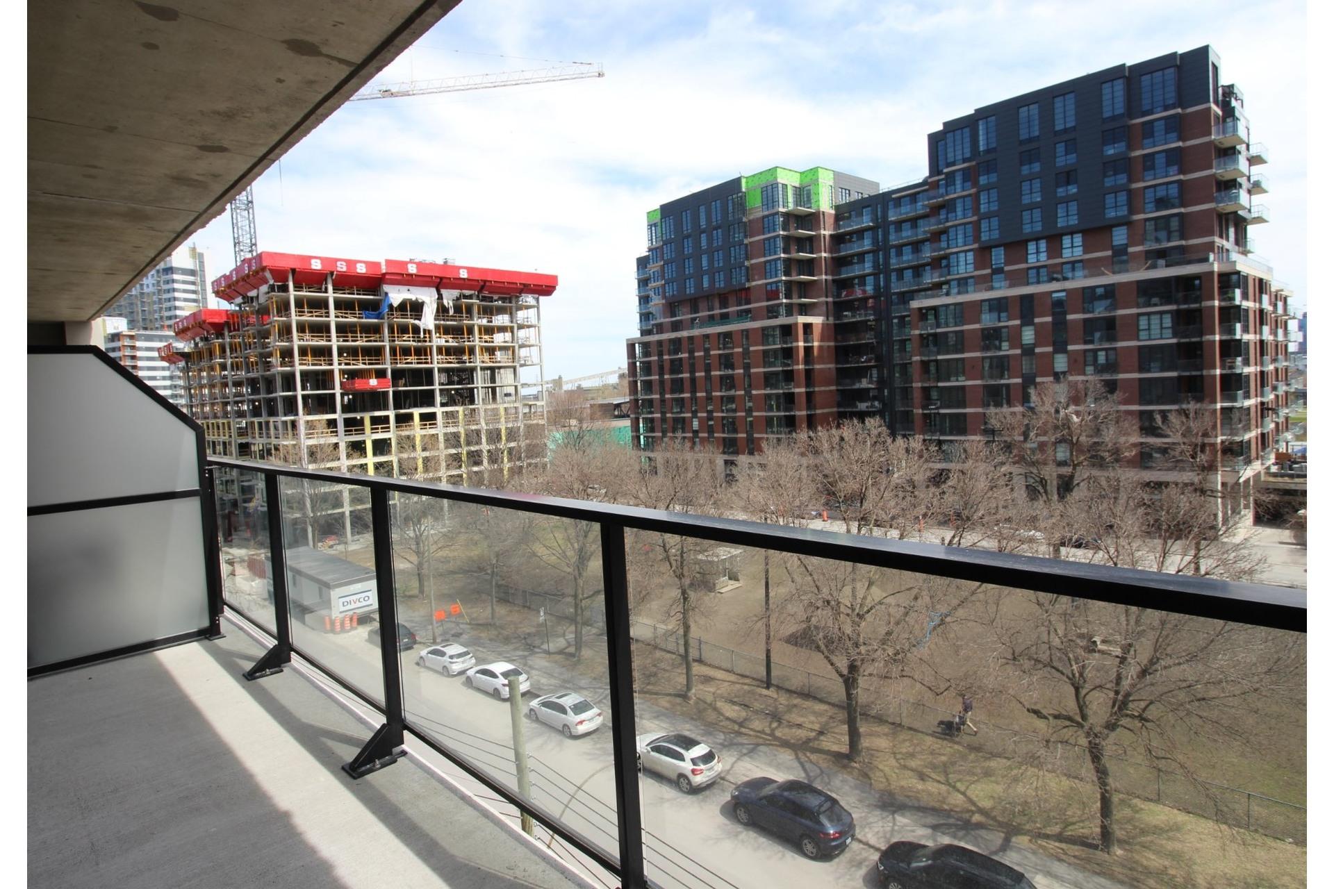 image 13 - Apartment For rent Montréal Le Sud-Ouest  - 4 rooms