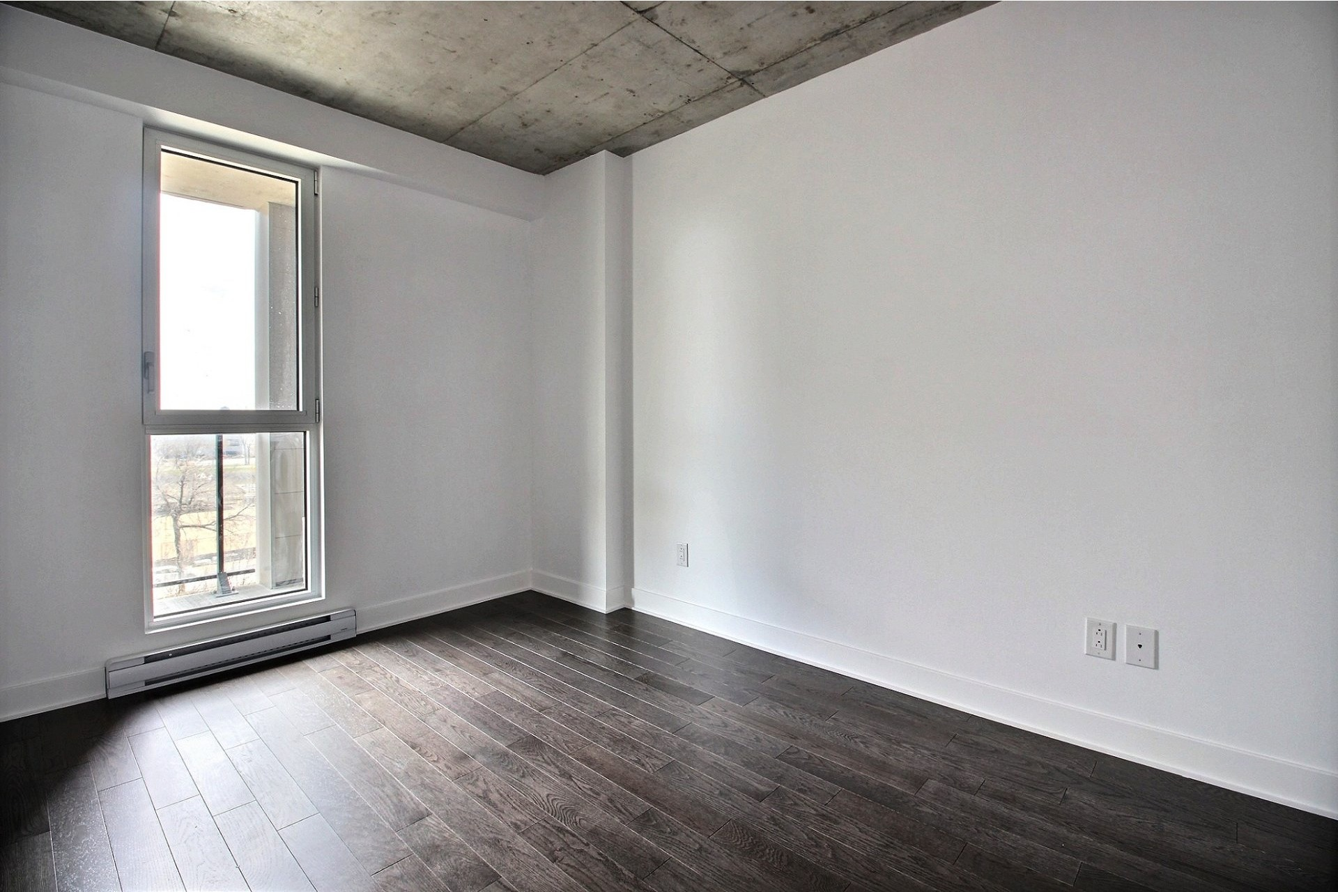 image 8 - Apartment For rent Montréal Le Sud-Ouest  - 4 rooms