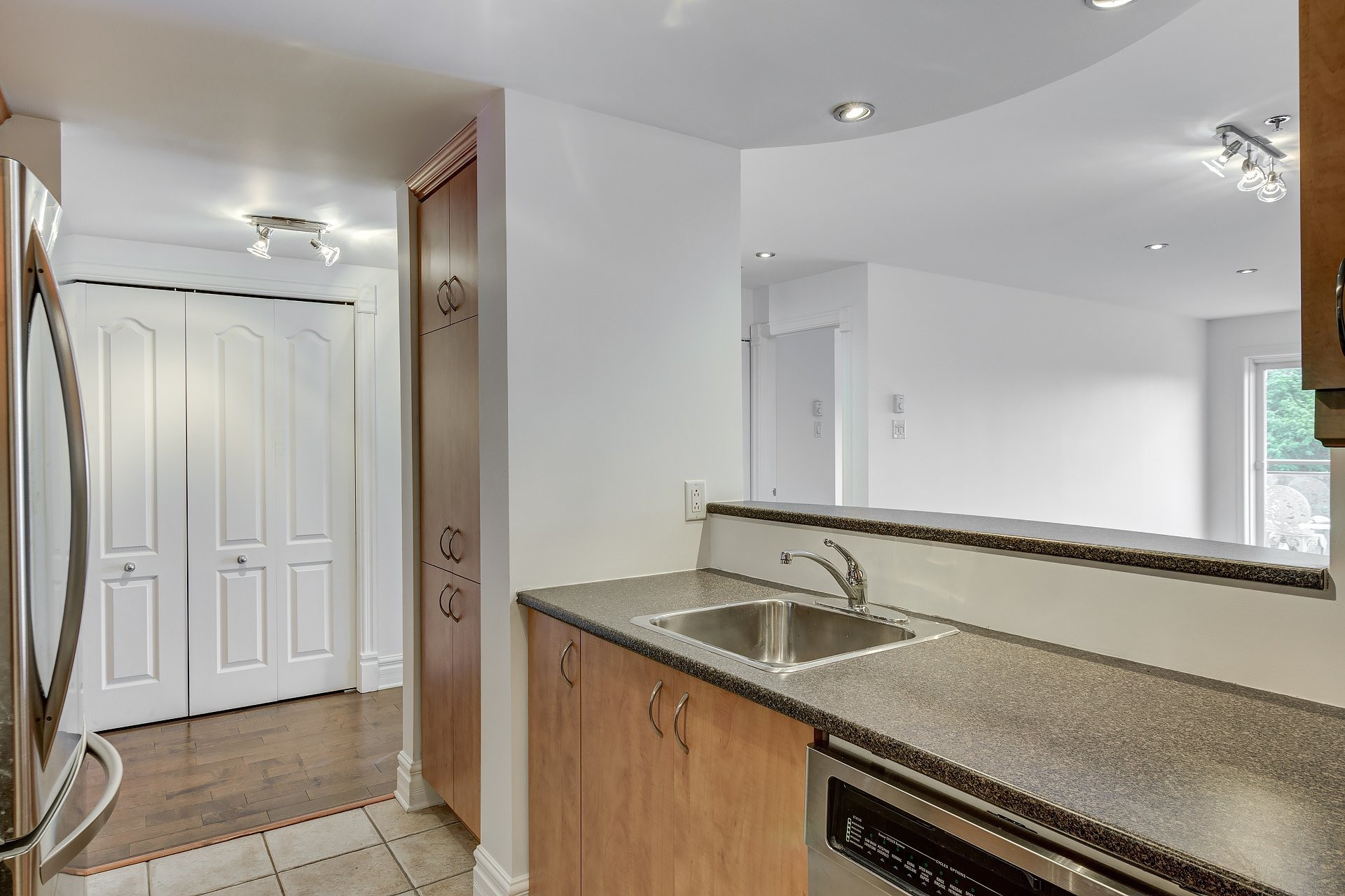 image 10 - Apartment For sale Montréal Ville-Marie  - 4 rooms