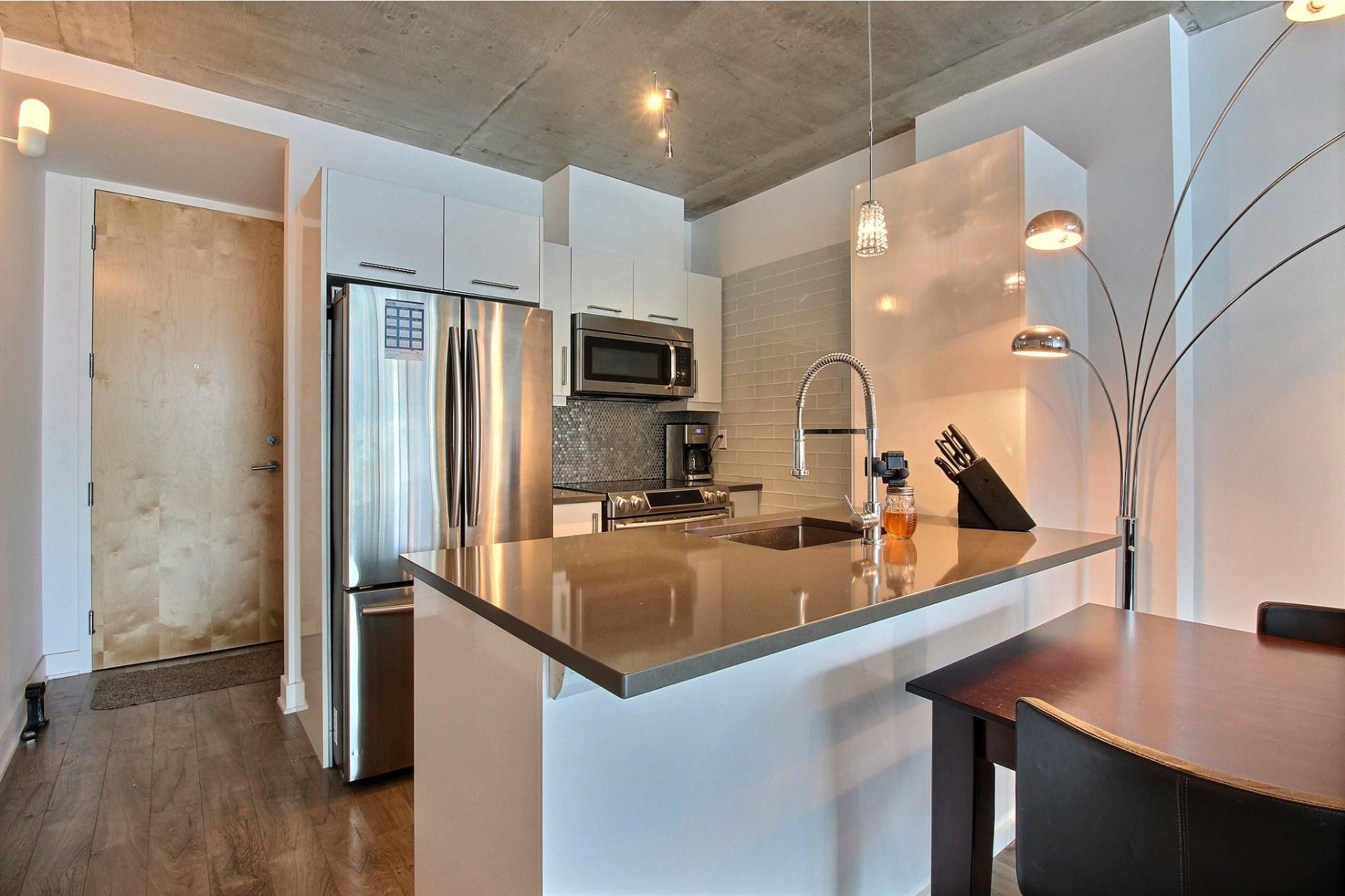 image 0 - Apartment For rent Montréal Le Sud-Ouest  - 6 rooms