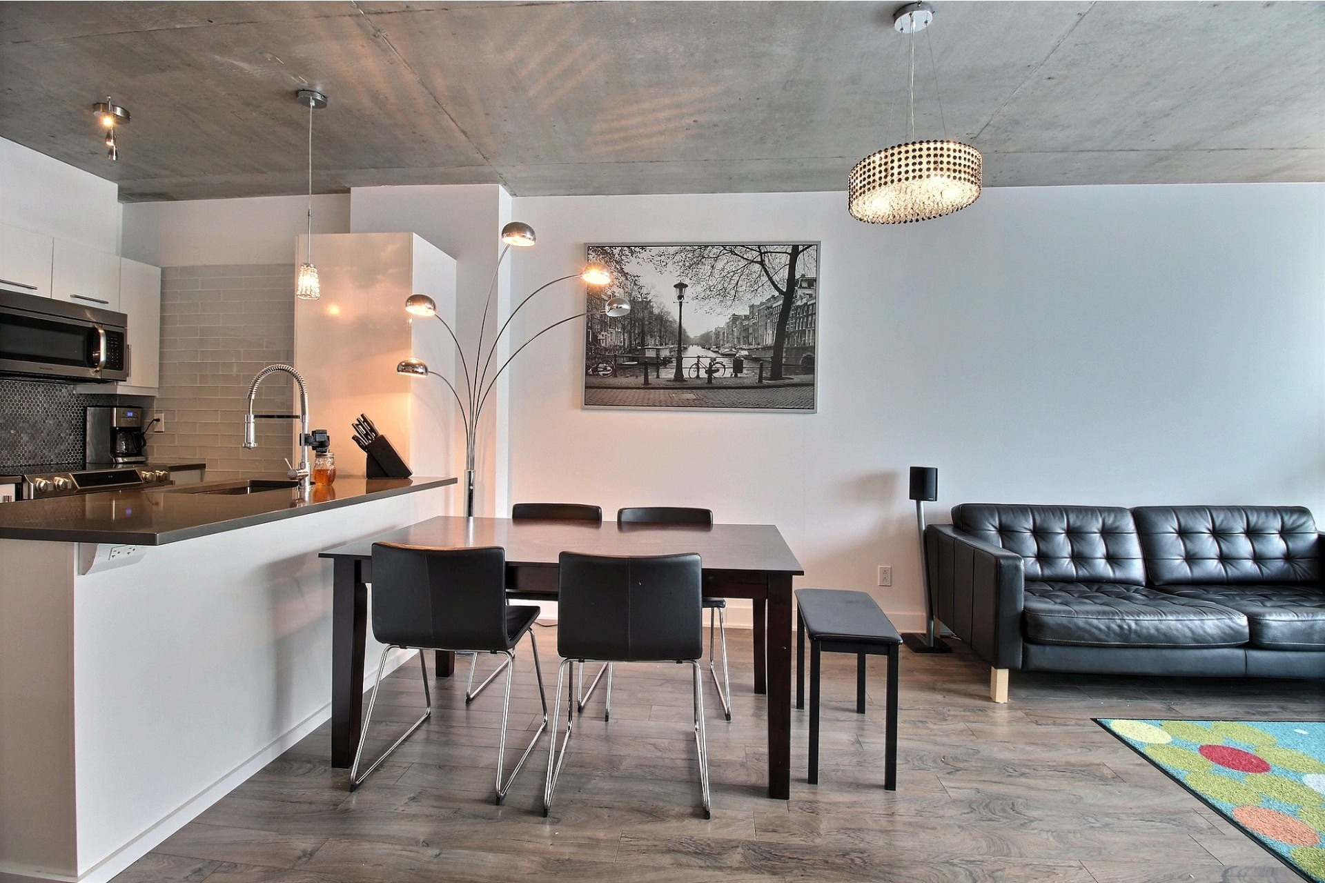 image 4 - Apartment For rent Montréal Le Sud-Ouest  - 6 rooms
