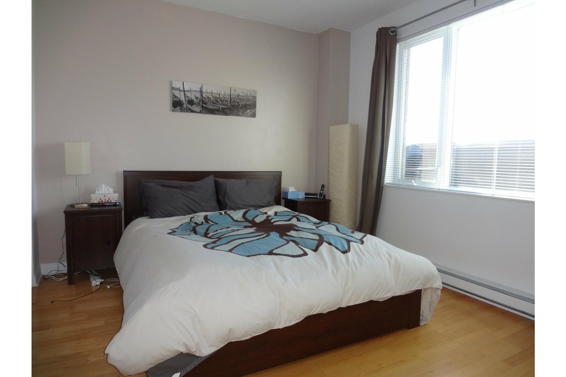 image 5 - Apartment For rent Montréal Ville-Marie  - 4 rooms
