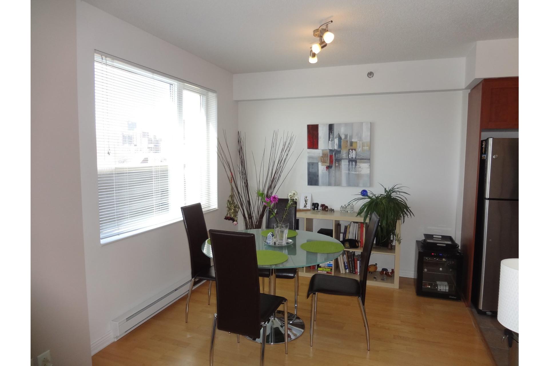image 3 - Apartment For rent Montréal Ville-Marie  - 4 rooms