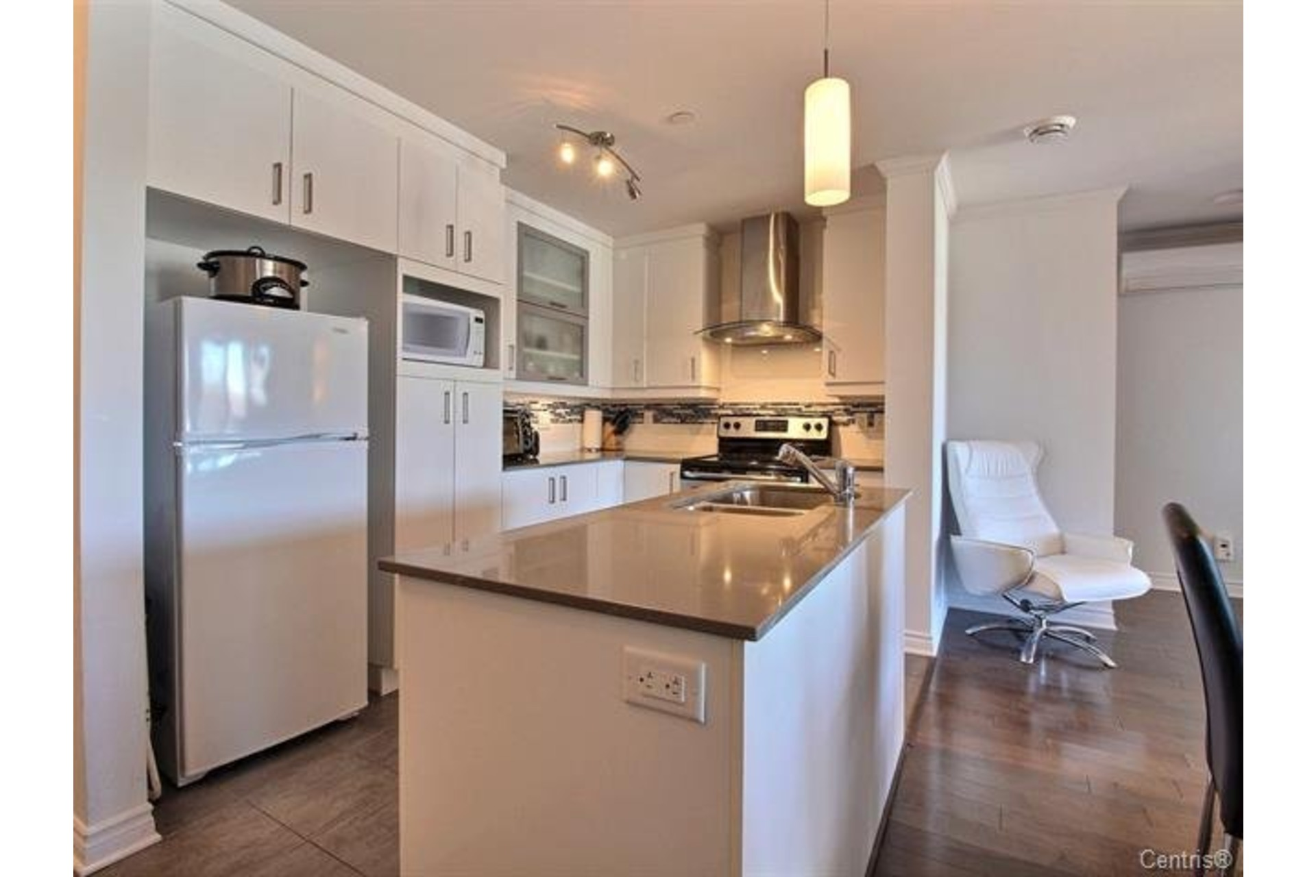 image 3 - Apartment For sale Montréal Pierrefonds-Roxboro  - 7 rooms