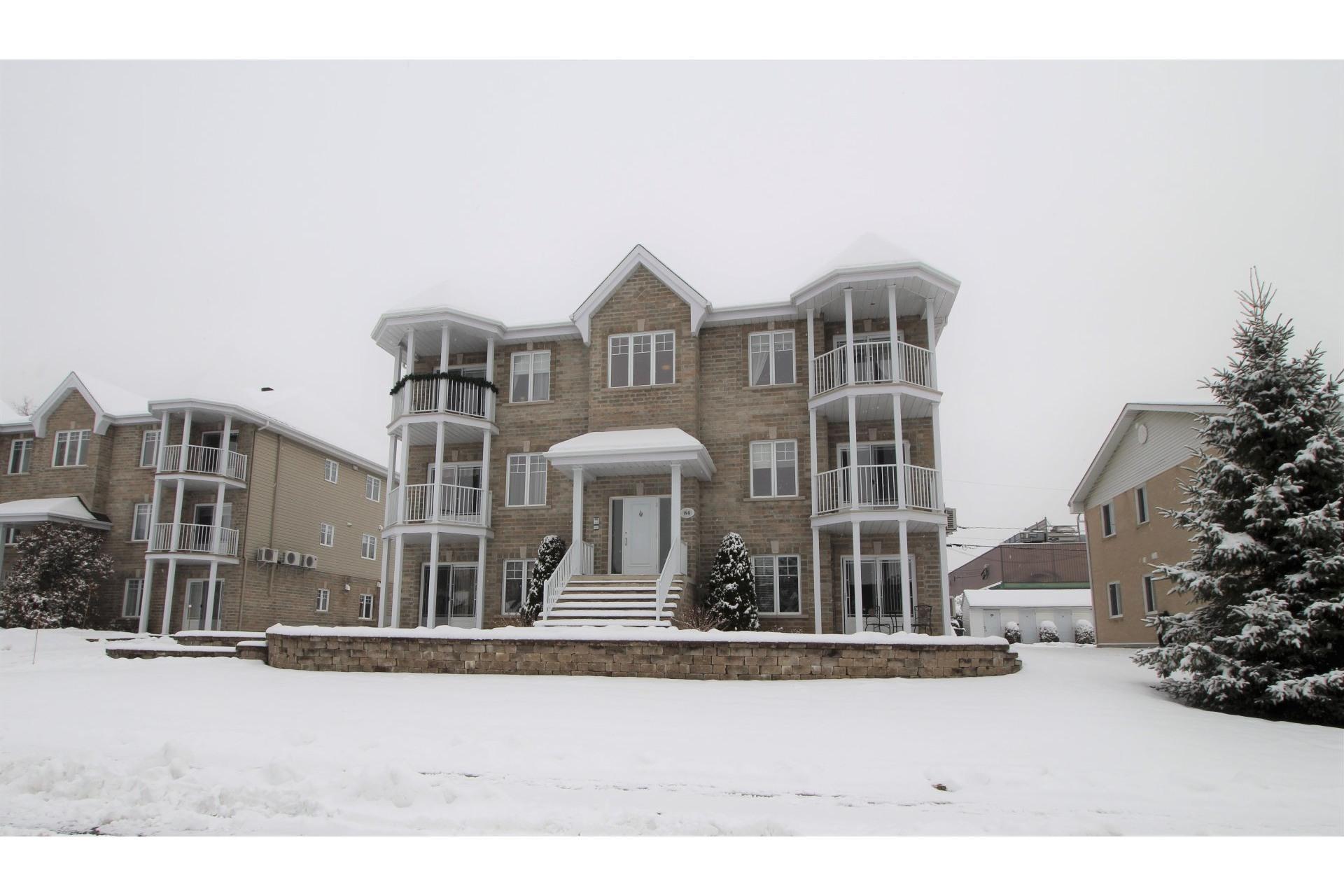image 0 - Apartment For sale Notre-Dame-des-Prairies - 10 rooms