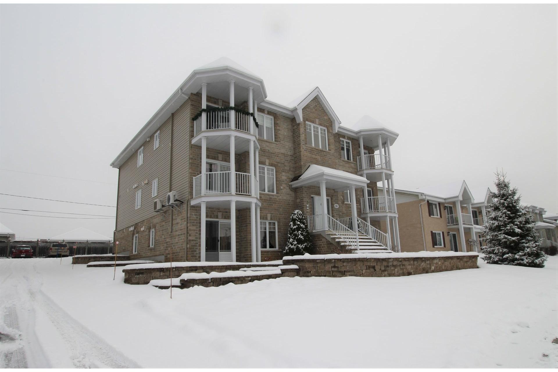 image 21 - Apartment For sale Notre-Dame-des-Prairies - 10 rooms