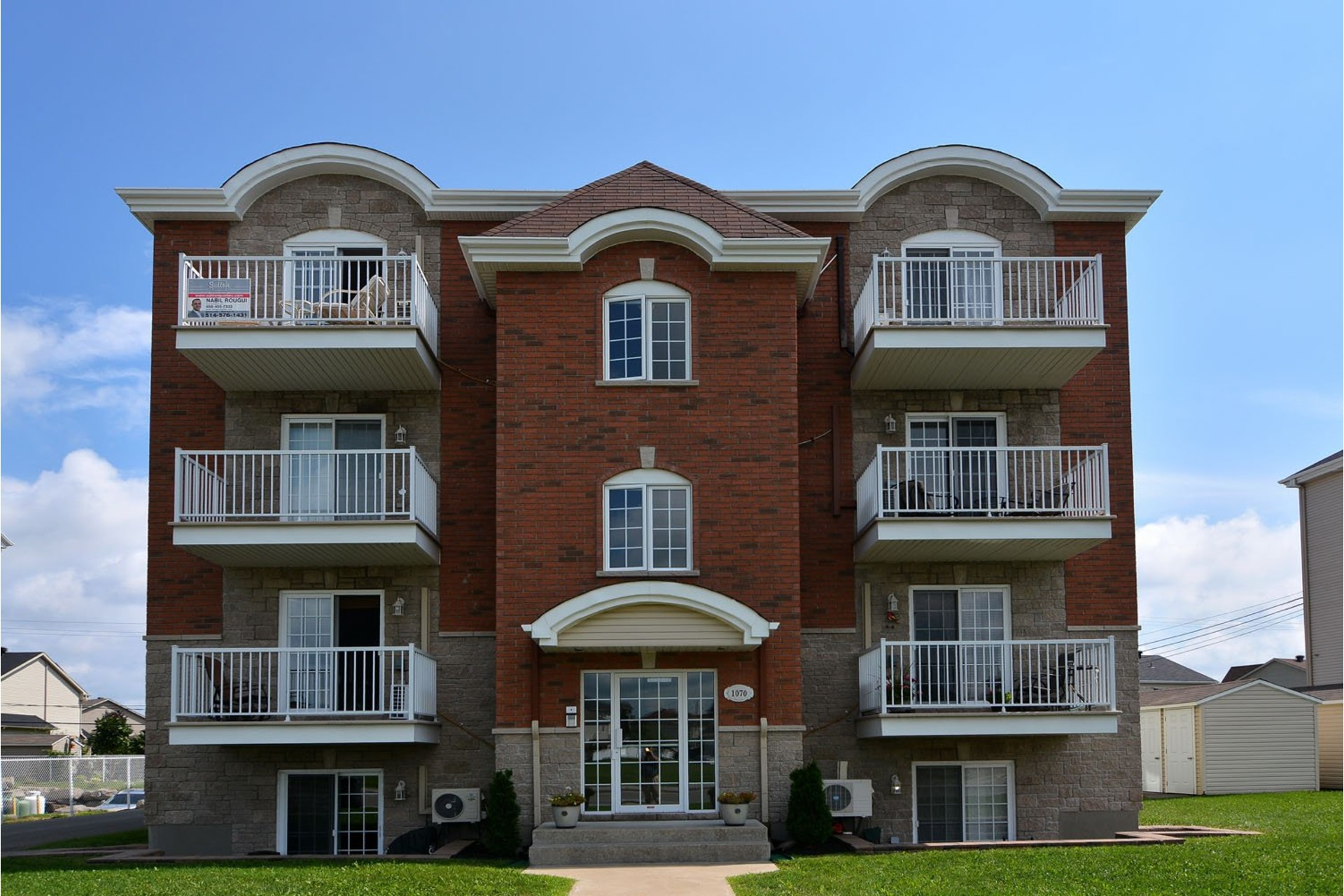 Apartment For sale Vaudreuil-Dorion - 7 rooms