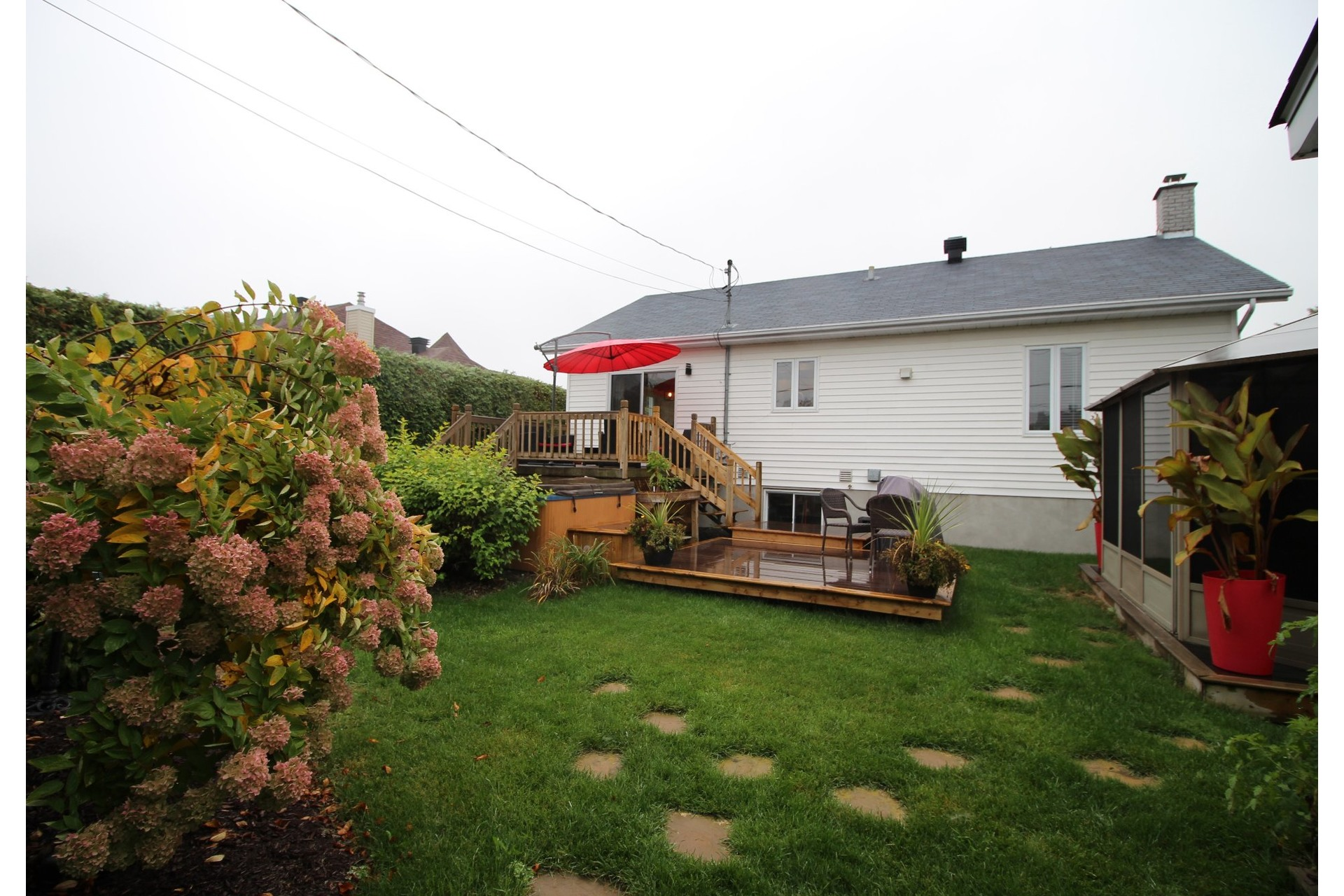 image 3 - House For sale Joliette - 14 rooms