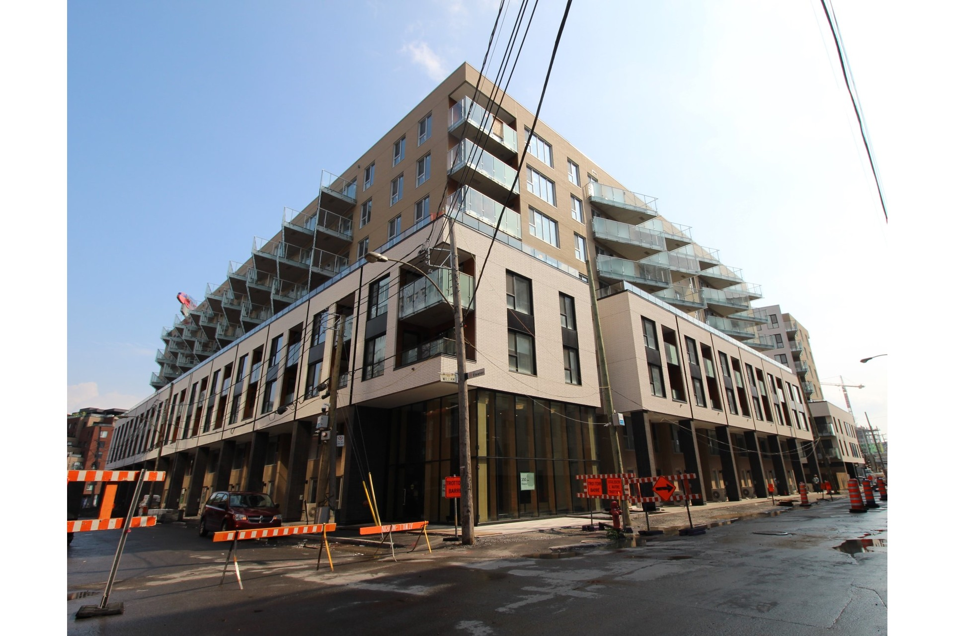 image 8 - Appartement À louer Montréal Le Sud-Ouest  - 4 pièces