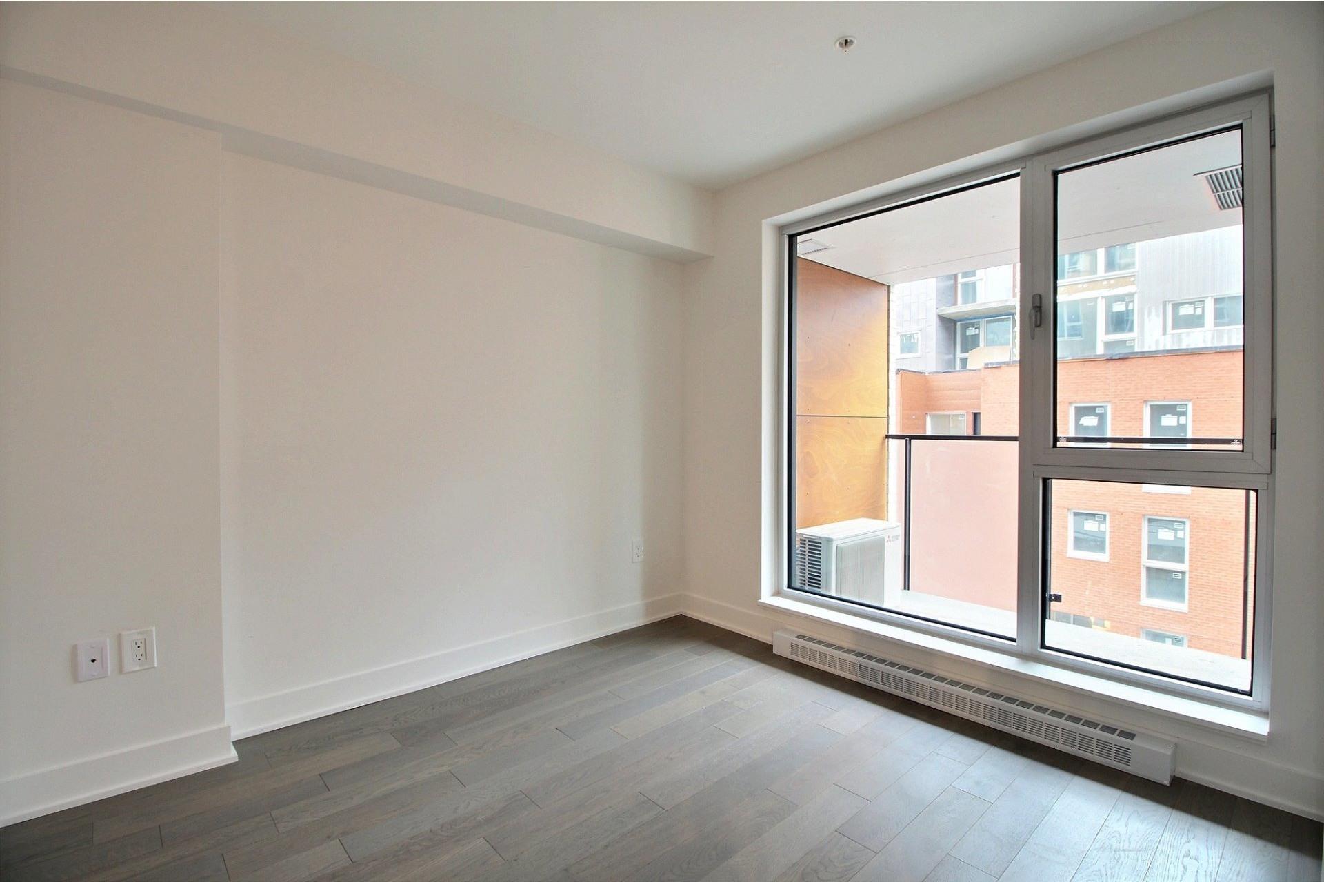 image 5 - Appartement À louer Montréal Le Sud-Ouest  - 4 pièces