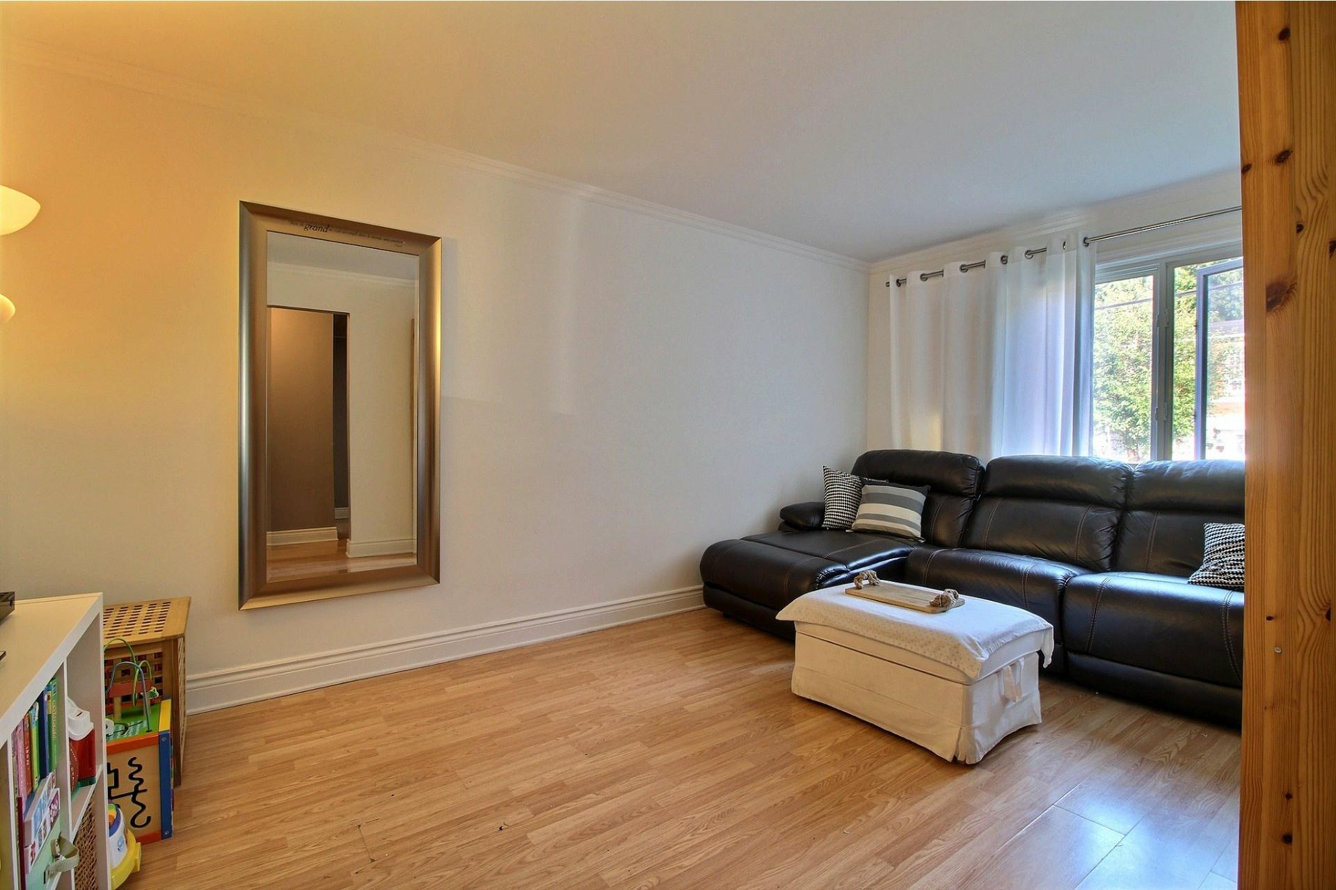 image 13 - Duplex À vendre Montréal Rivière-des-Prairies/Pointe-aux-Trembles  - 4 pièces
