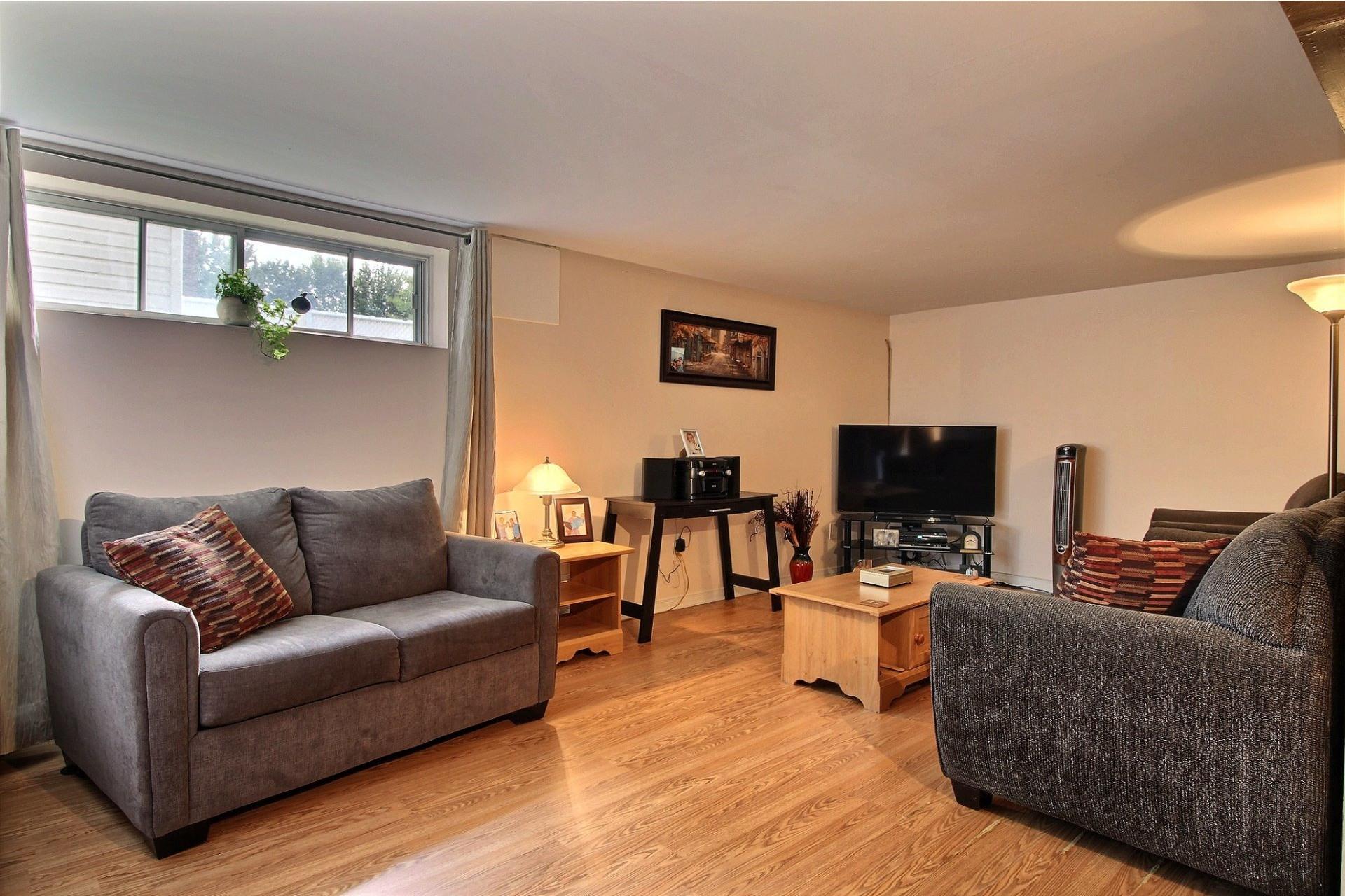 image 20 - Duplex À vendre Montréal Rivière-des-Prairies/Pointe-aux-Trembles  - 4 pièces