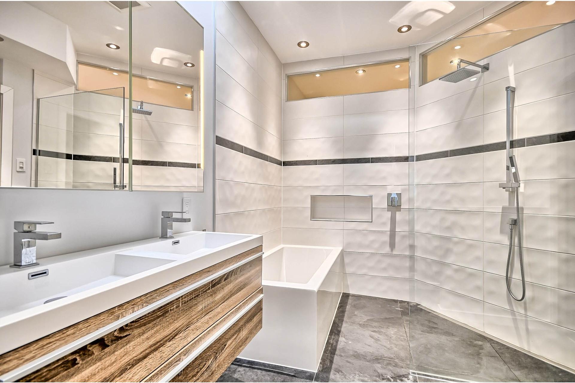 image 2 - Duplex À vendre Montréal Rosemont/La Petite-Patrie  - 10 pièces