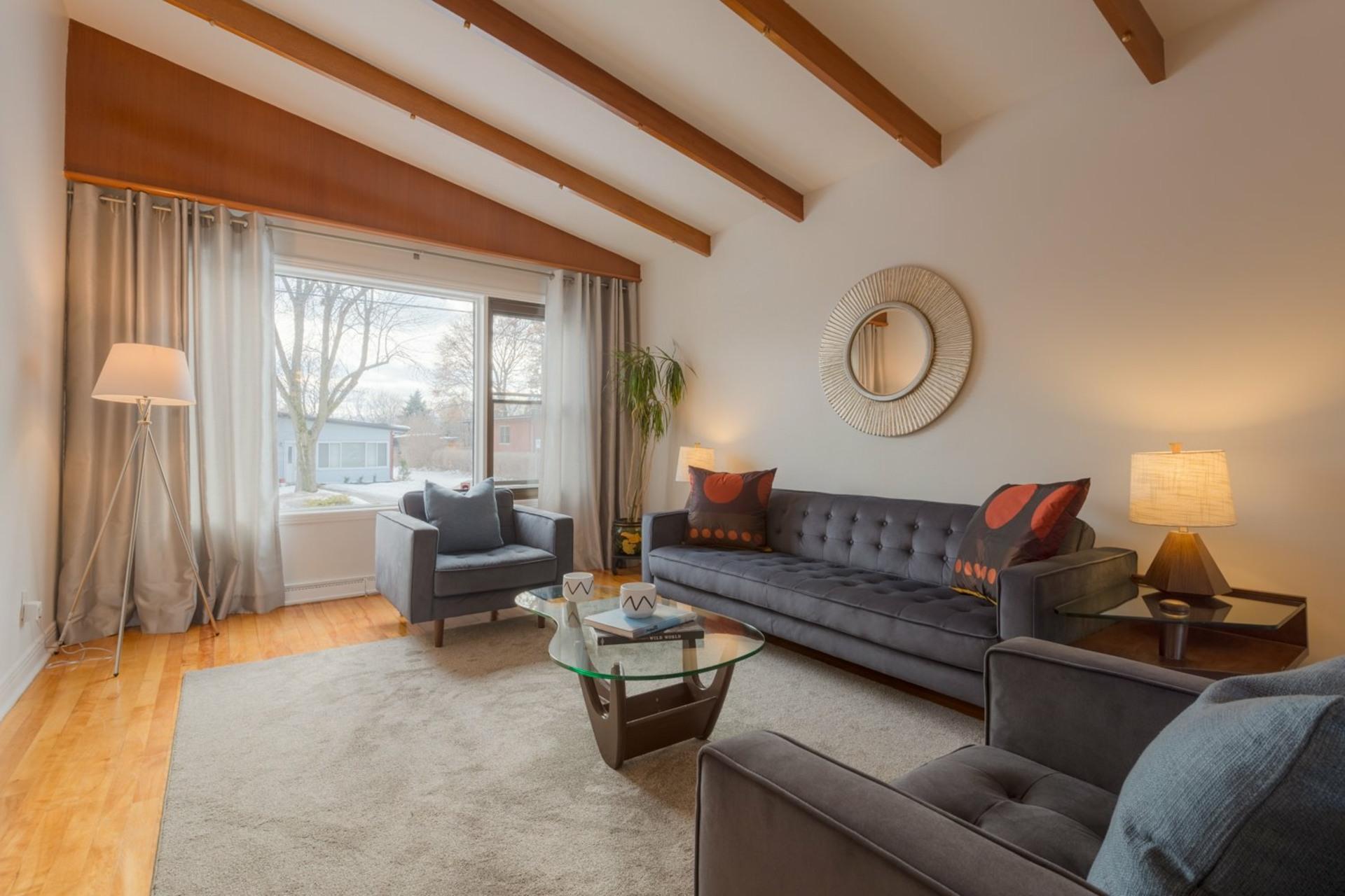 image 1 - House For sale Montréal-Ouest - 16 rooms