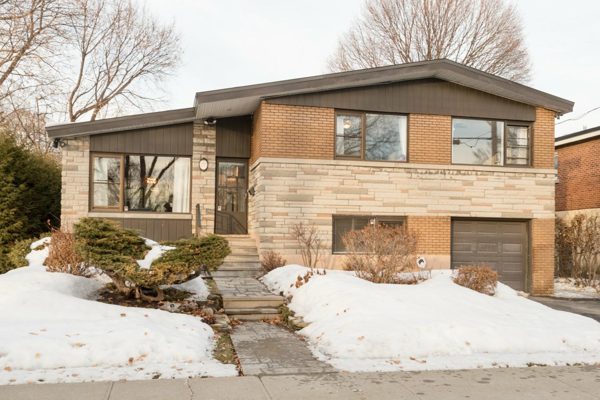 image 0 - House For sale Montréal-Ouest - 16 rooms