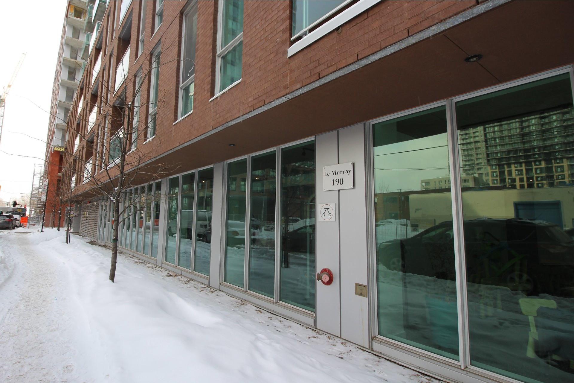 image 21 - Appartement À louer Montréal Le Sud-Ouest  - 6 pièces