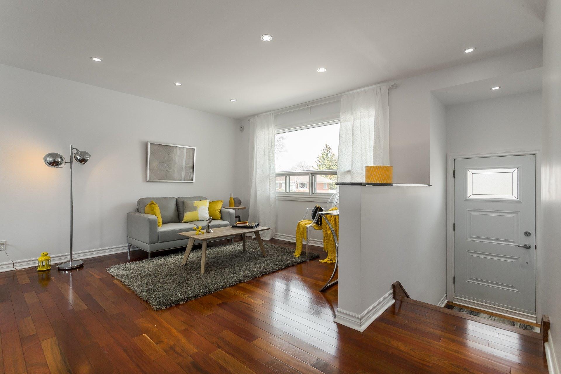 image 2 - House For sale Montréal Rosemont/La Petite-Patrie  - 6 rooms