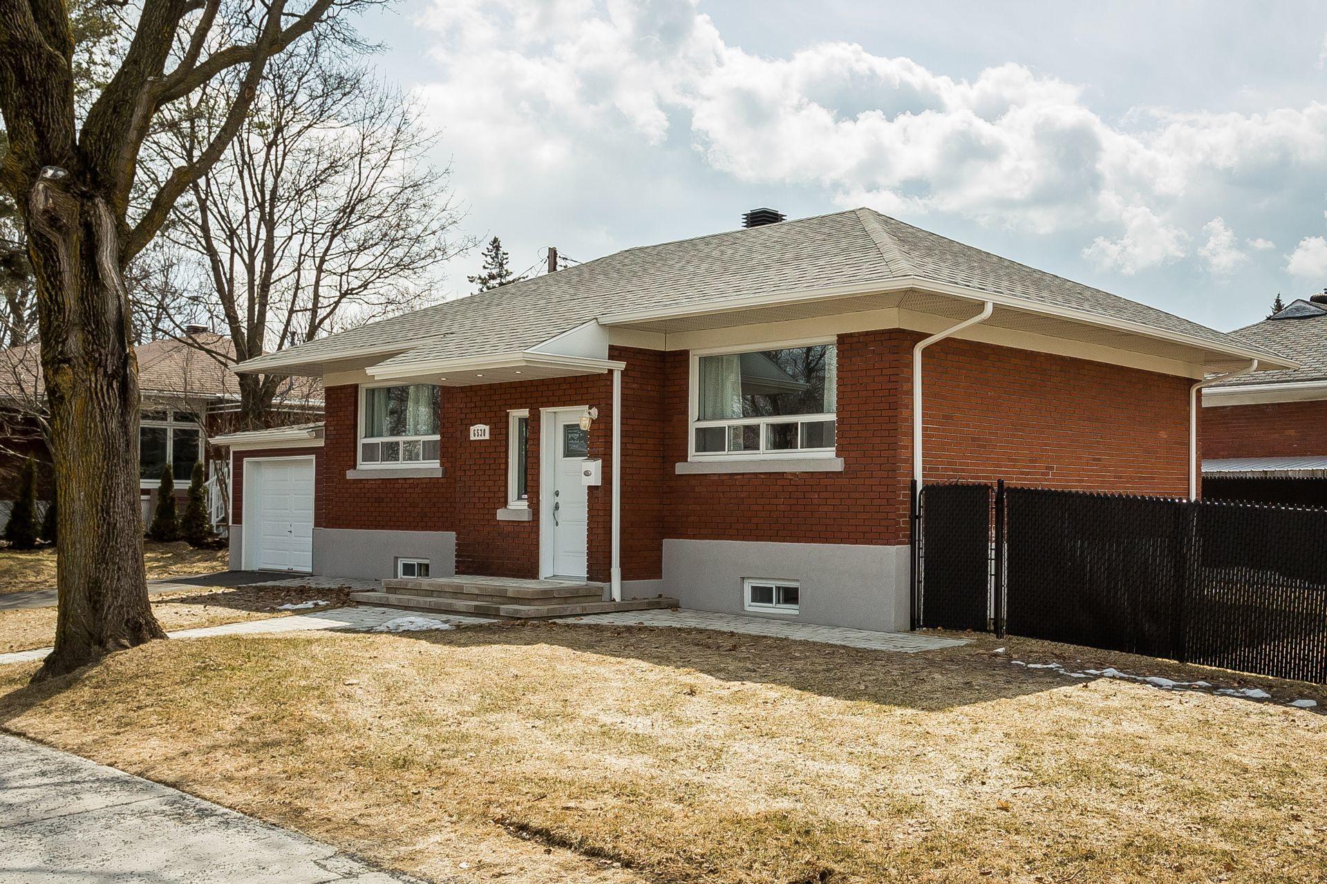 image 0 - Casa In Vendita Montréal Rosemont/La Petite-Patrie  - 6 stanze