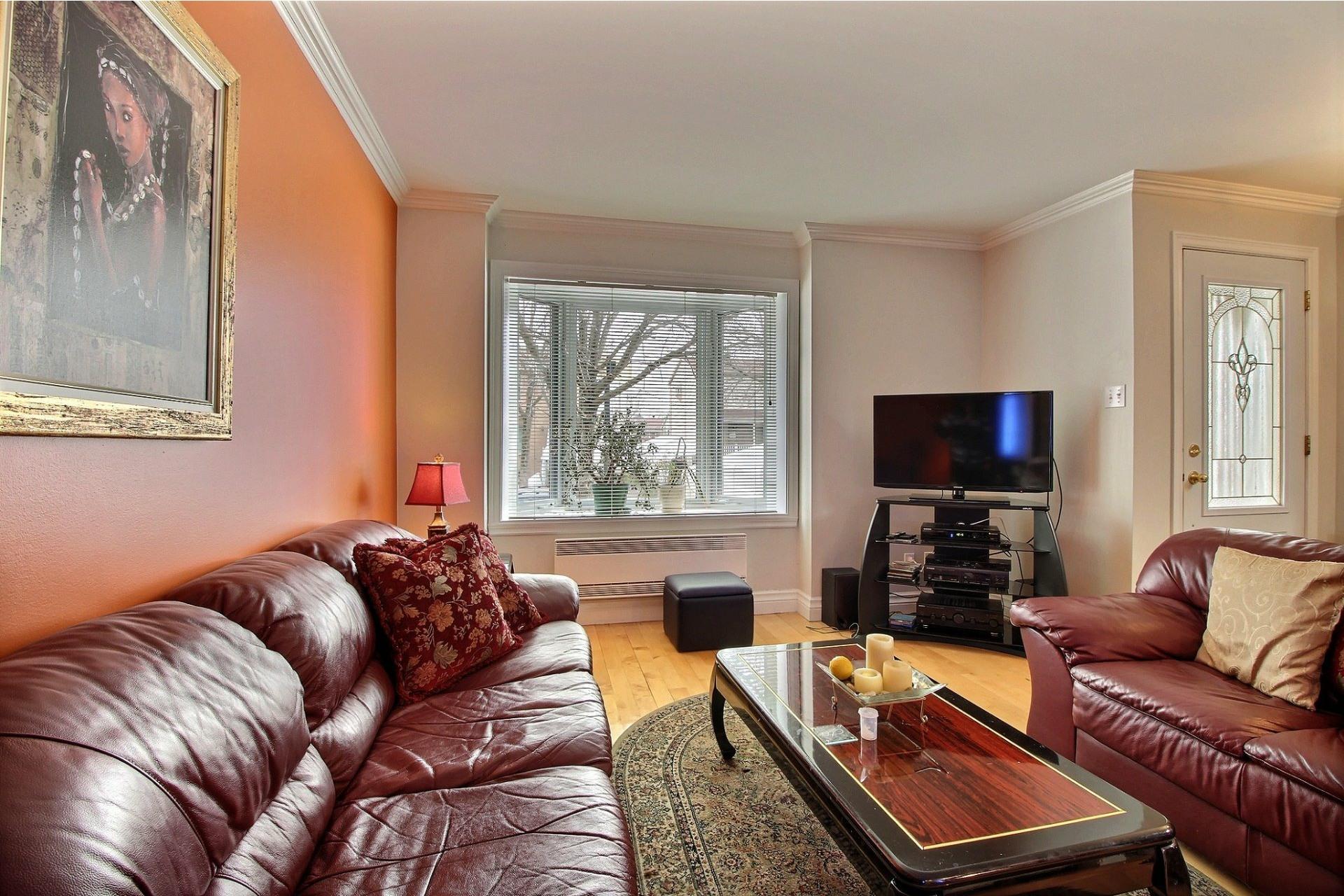 image 3 - Maison À vendre Montréal Rivière-des-Prairies/Pointe-aux-Trembles  - 8 pièces