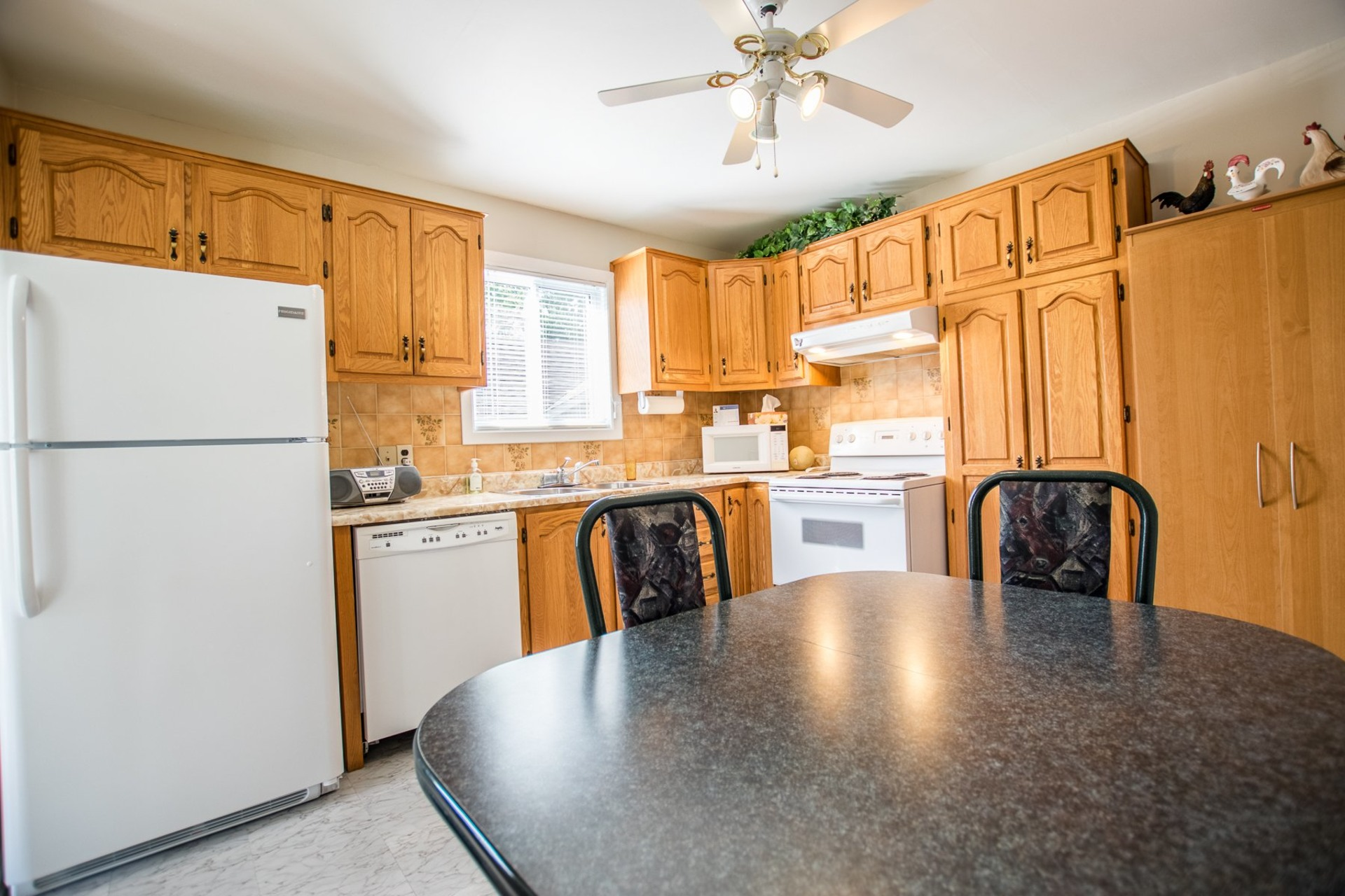 image 7 - House For sale Beauharnois - 9 rooms