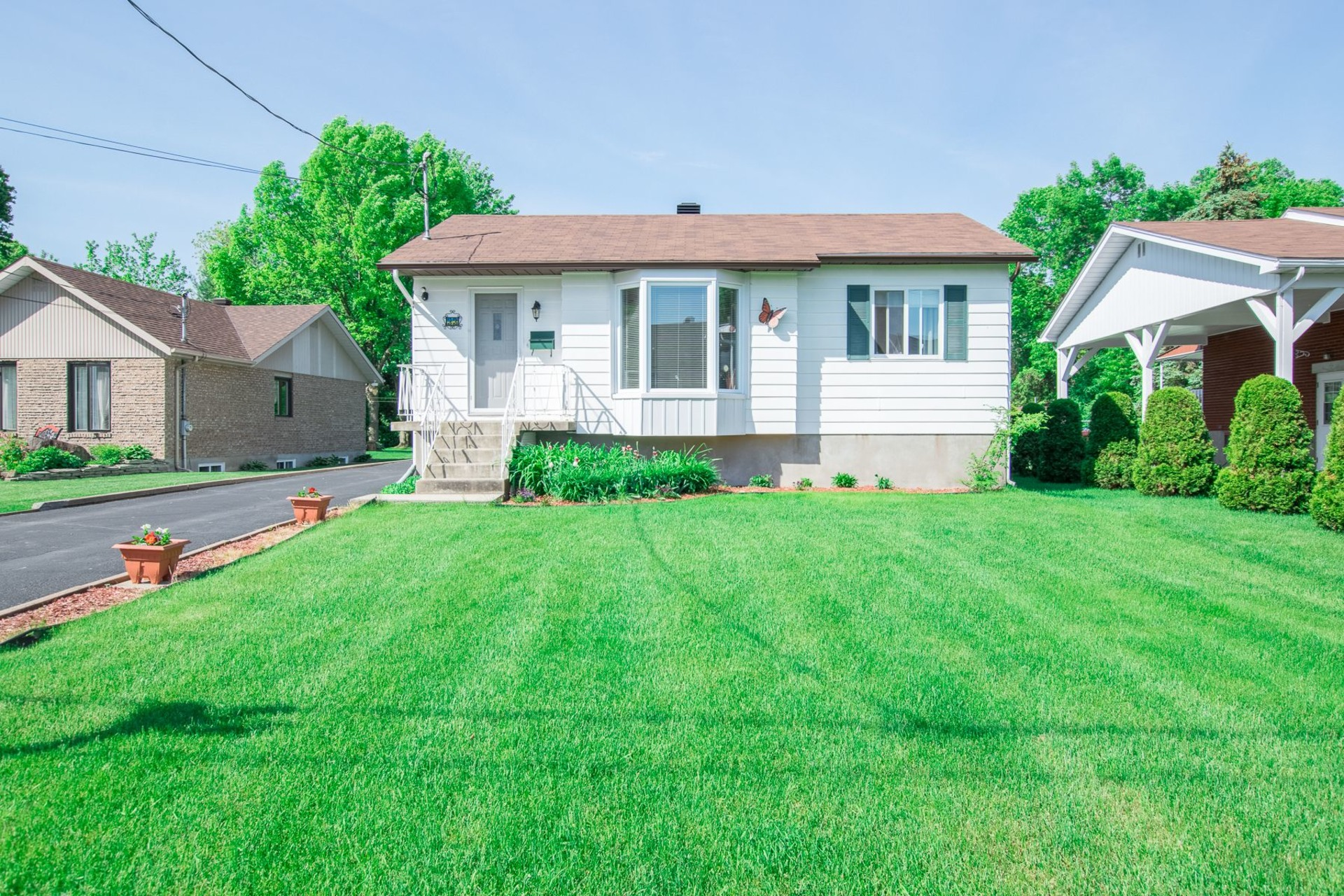 image 0 - House For sale Beauharnois - 9 rooms