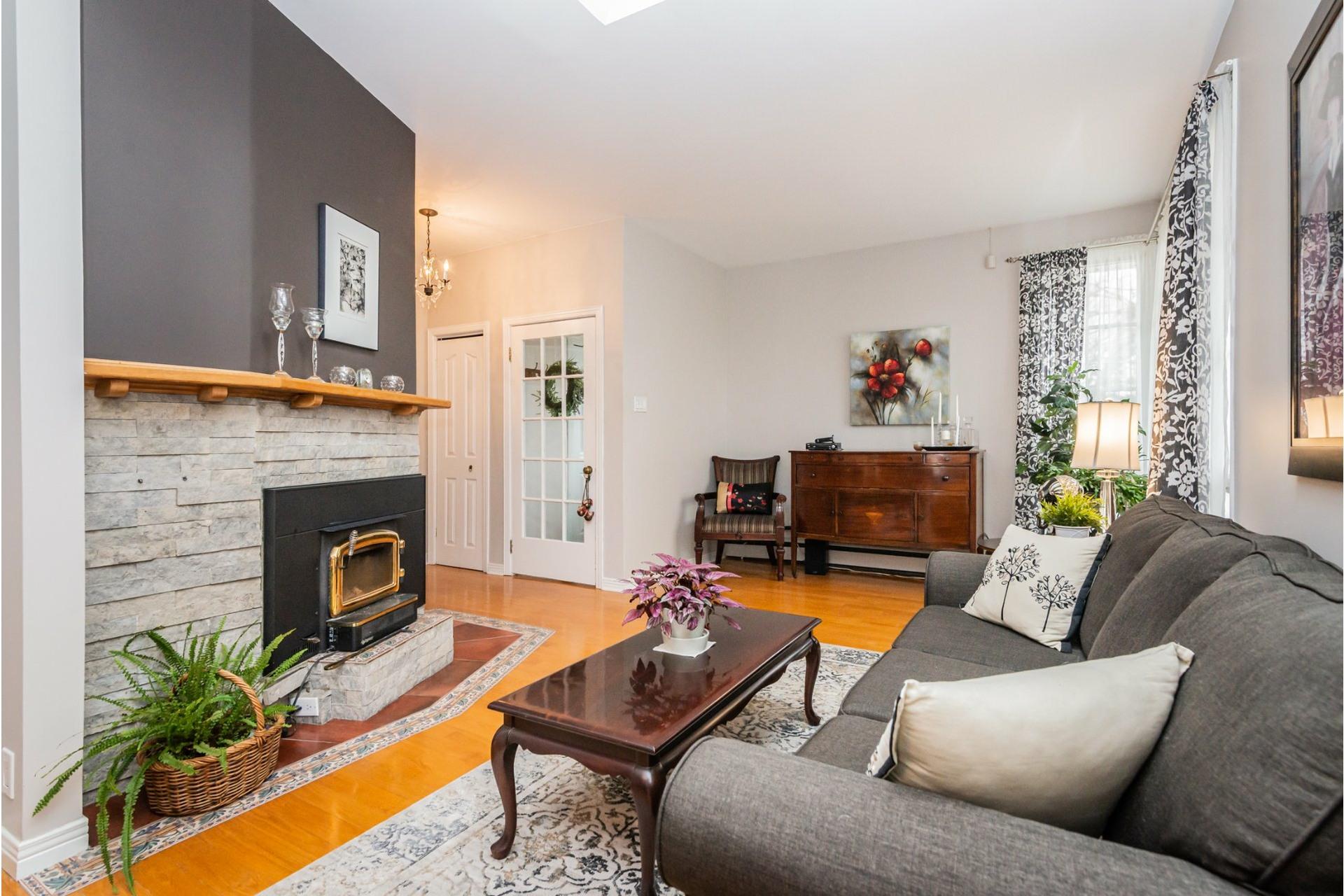 image 2 - Maison À vendre Pierrefonds-Roxboro Montréal  - 11 pièces